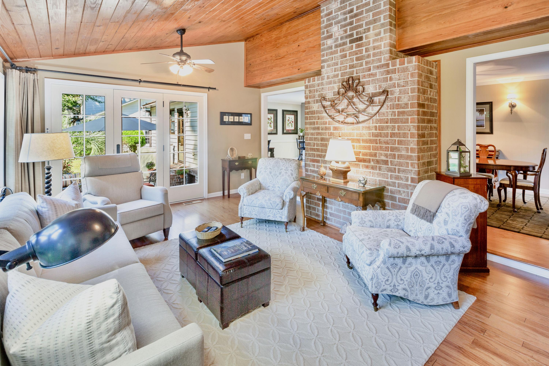 Snee Farm Homes For Sale - 998 Colonial, Mount Pleasant, SC - 12