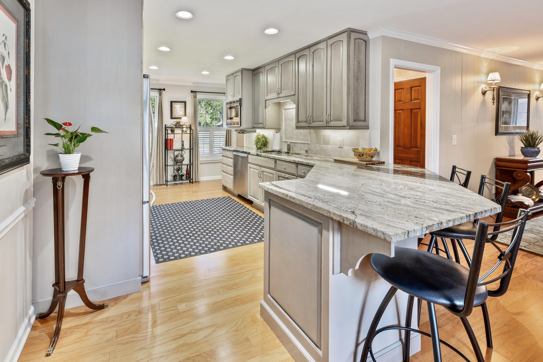 Snee Farm Homes For Sale - 998 Colonial, Mount Pleasant, SC - 3