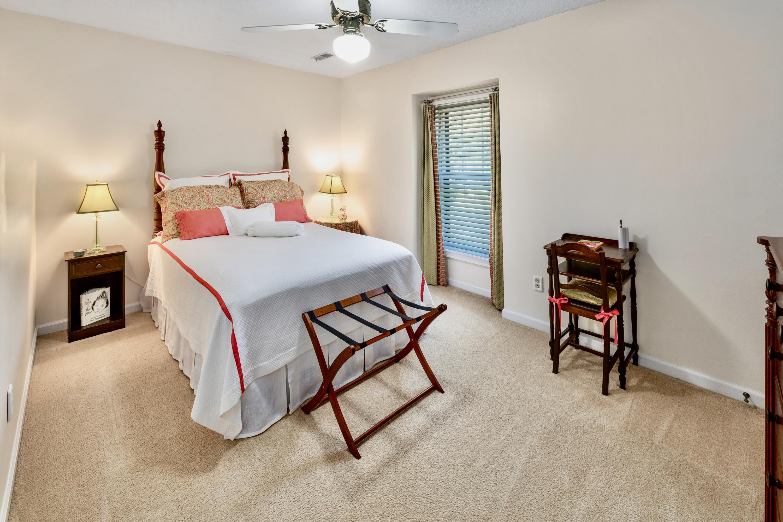 Snee Farm Homes For Sale - 998 Colonial, Mount Pleasant, SC - 19