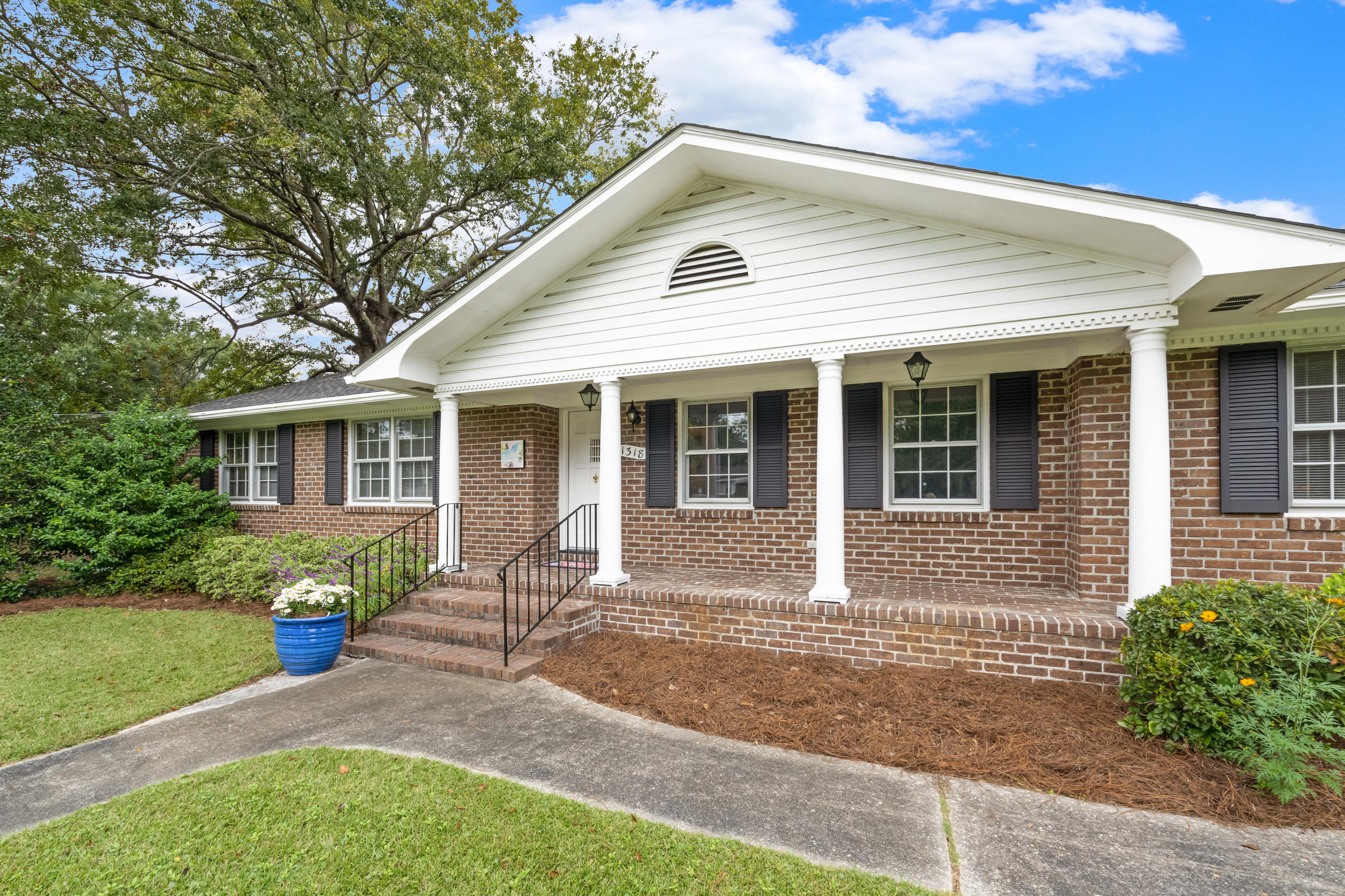 1318 Bluebird Drive Mount Pleasant, SC 29464