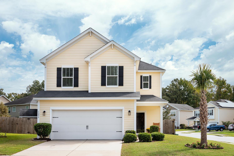 Ask Frank Real Estate Services - MLS Number: 20028537