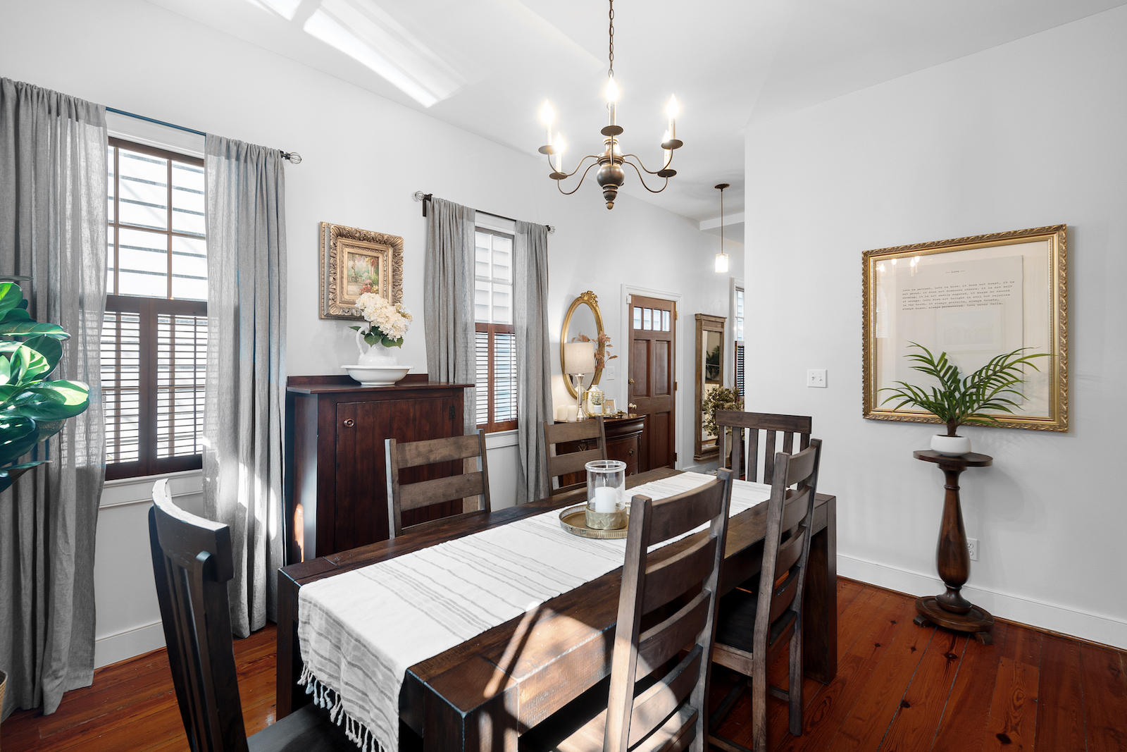 10 Clifford Street Charleston, SC 29401