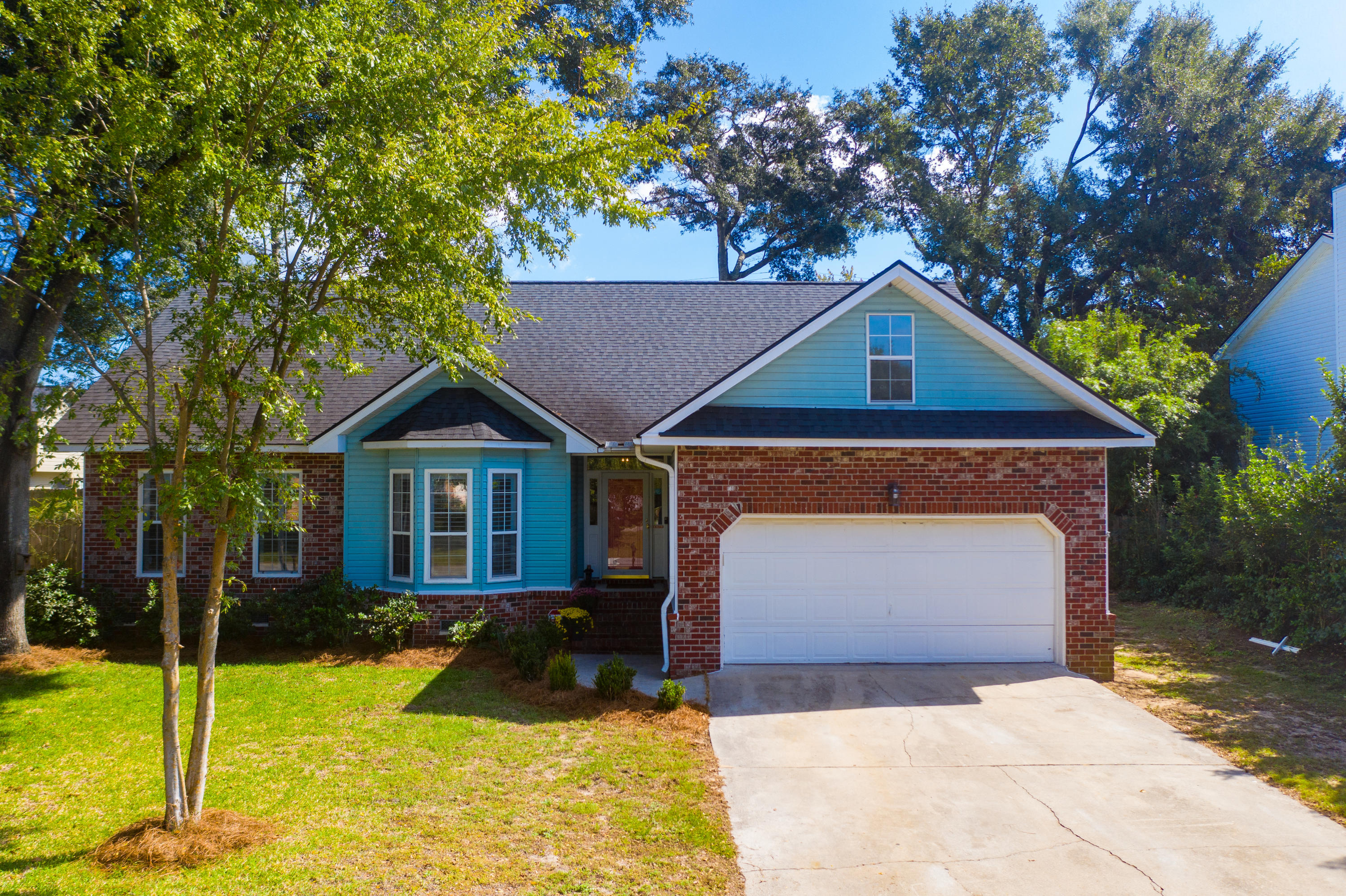 105 Oyster Point Row Charleston, SC 29412