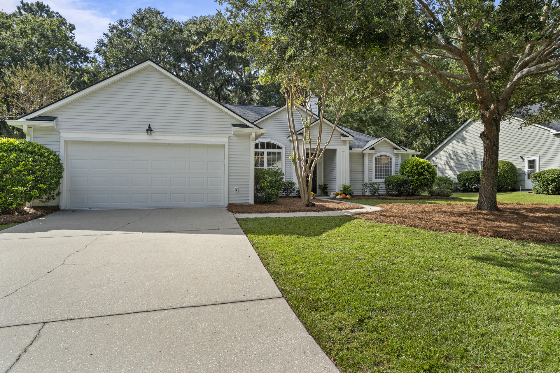 573 Oak Park Drive Mount Pleasant, SC 29464