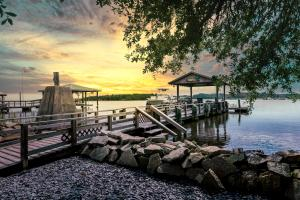 3561 Old Ferry Road, Johns Island, SC 29455