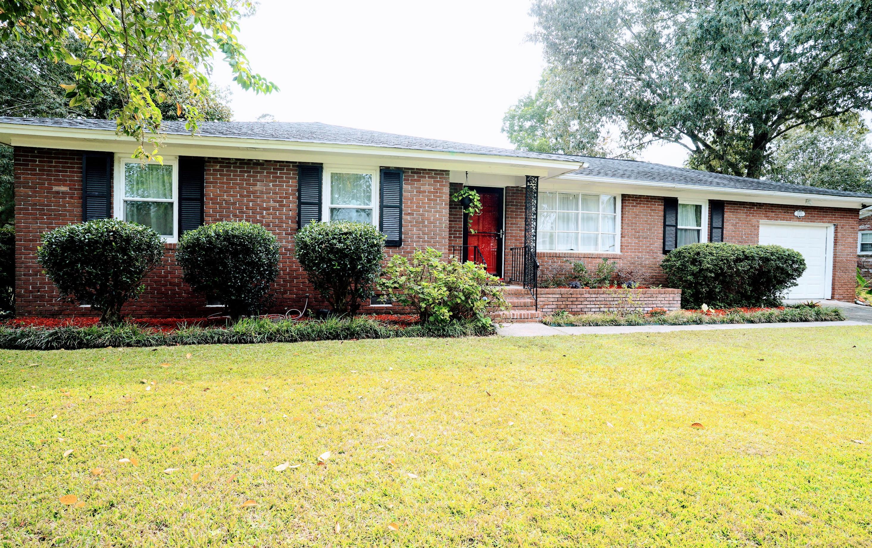 2235 N Dallerton Circle Charleston, SC 29414