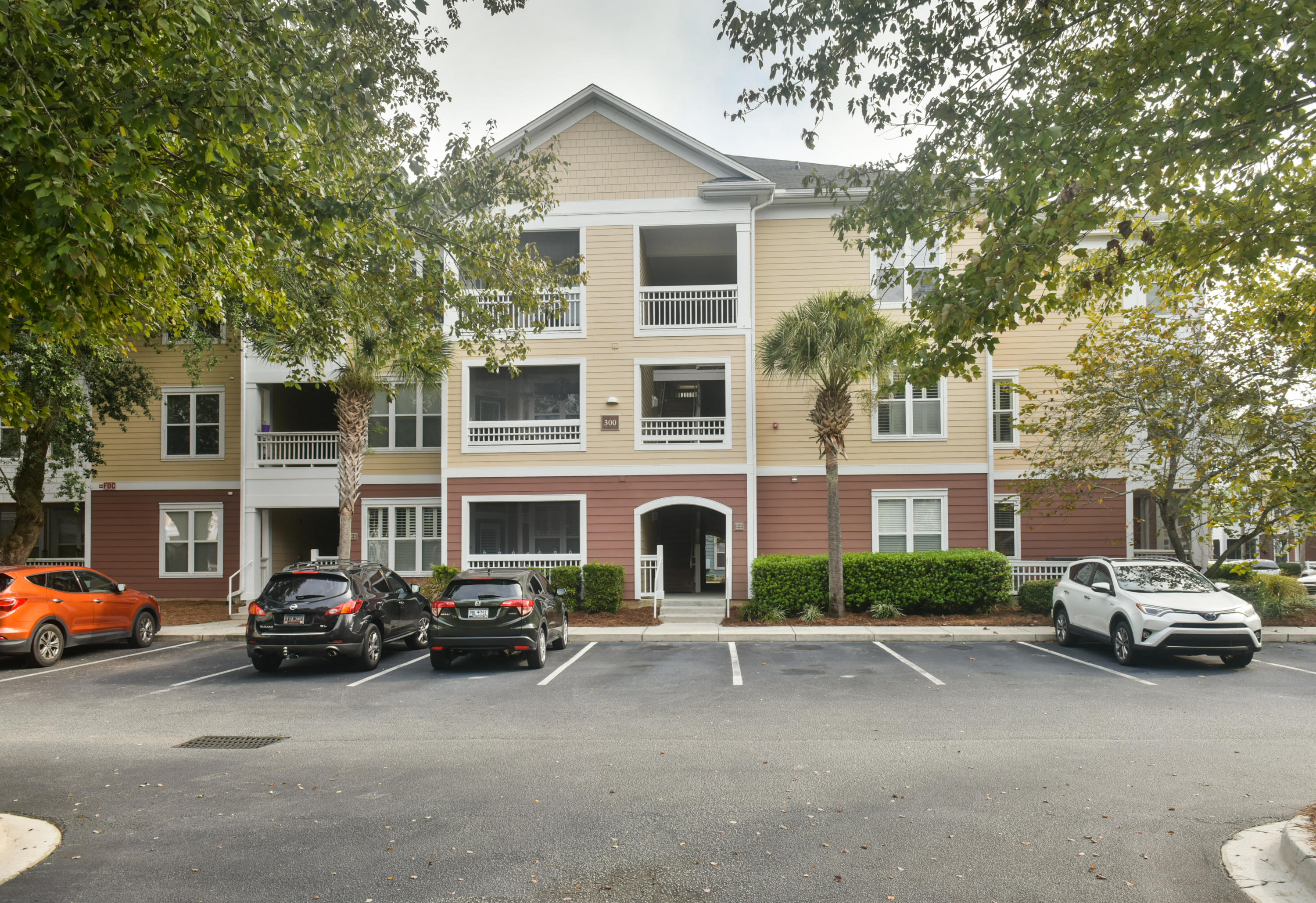 300 Bucksley Lane UNIT #202 Charleston, SC 29492