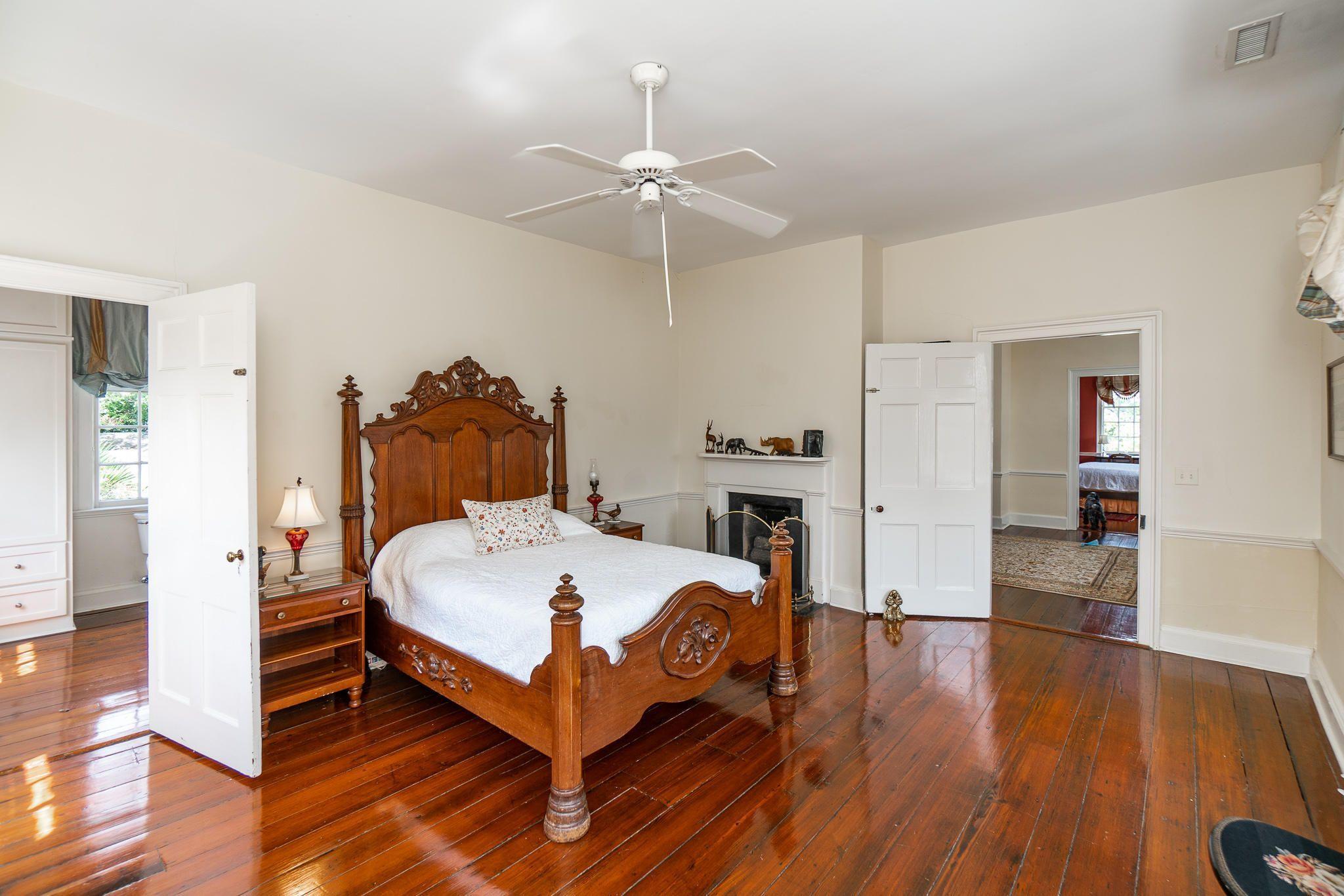 128 Bull Street Charleston, SC 29401