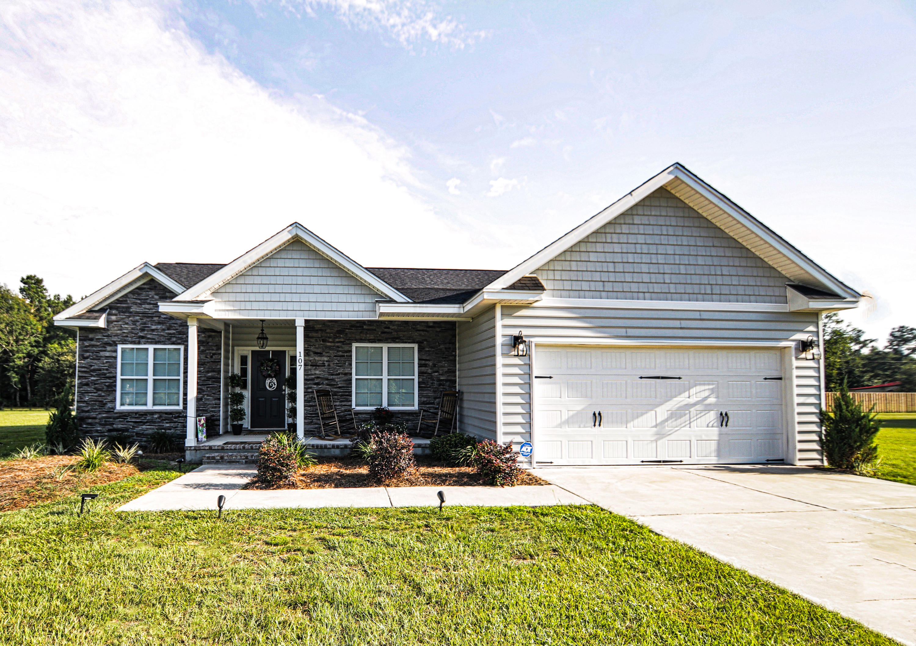 202 New Iris Lane Ridgeville, SC 29472