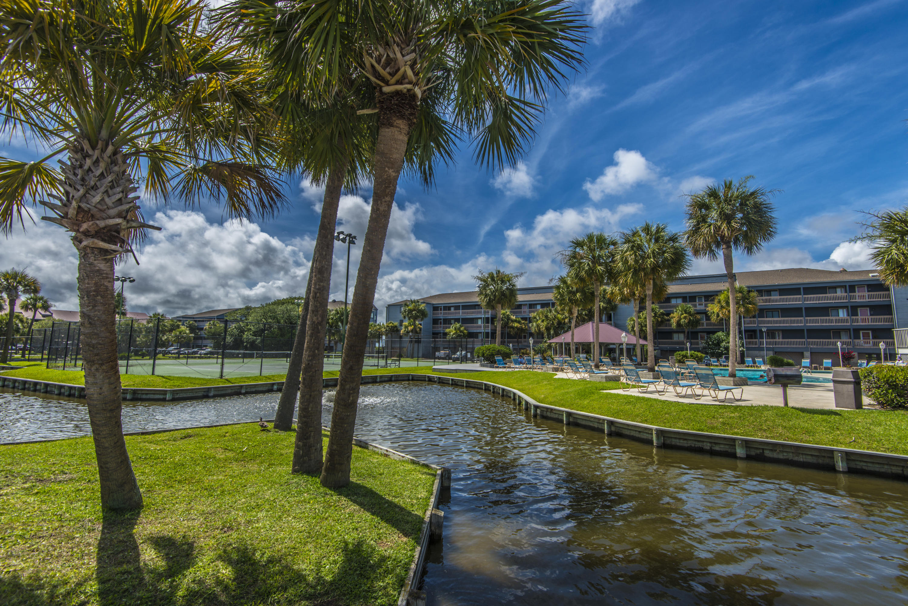 Mariners Cay Homes For Sale - 60 Mariners Cay, Folly Beach, SC - 35