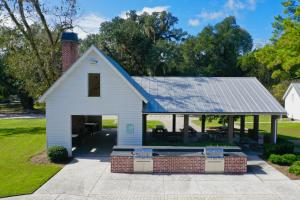 211 Warbler Way, Summerville, SC 29483