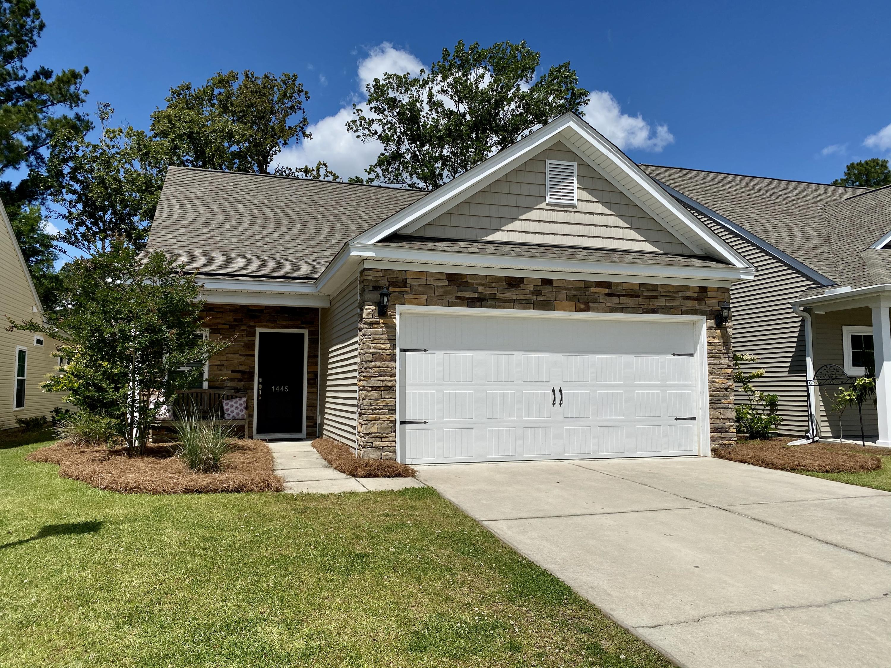 1445 Oldenburg Drive Mount Pleasant, Sc 29429