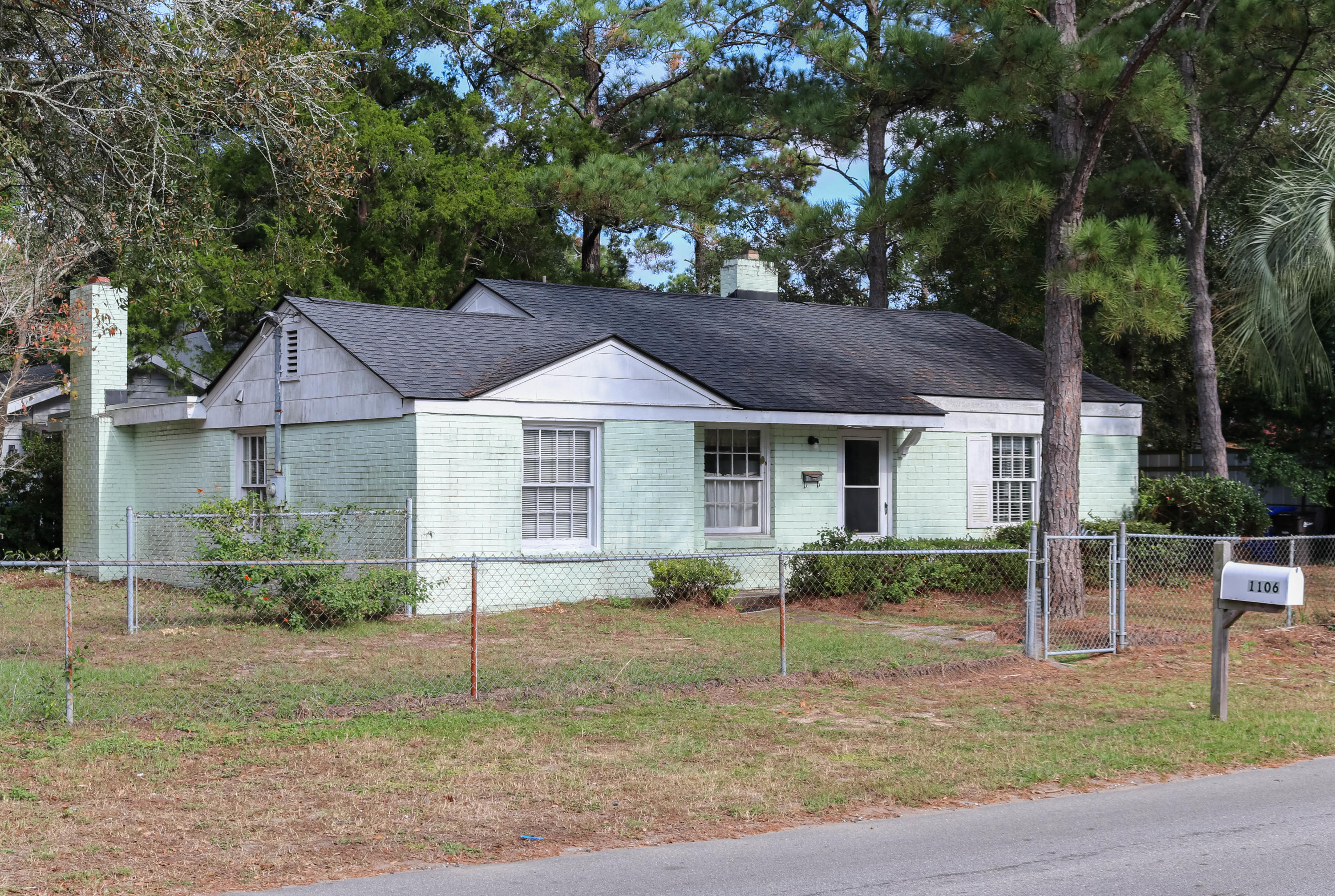 Old Mt Pleasant Homes For Sale - 1106 Simmons, Mount Pleasant, SC - 2
