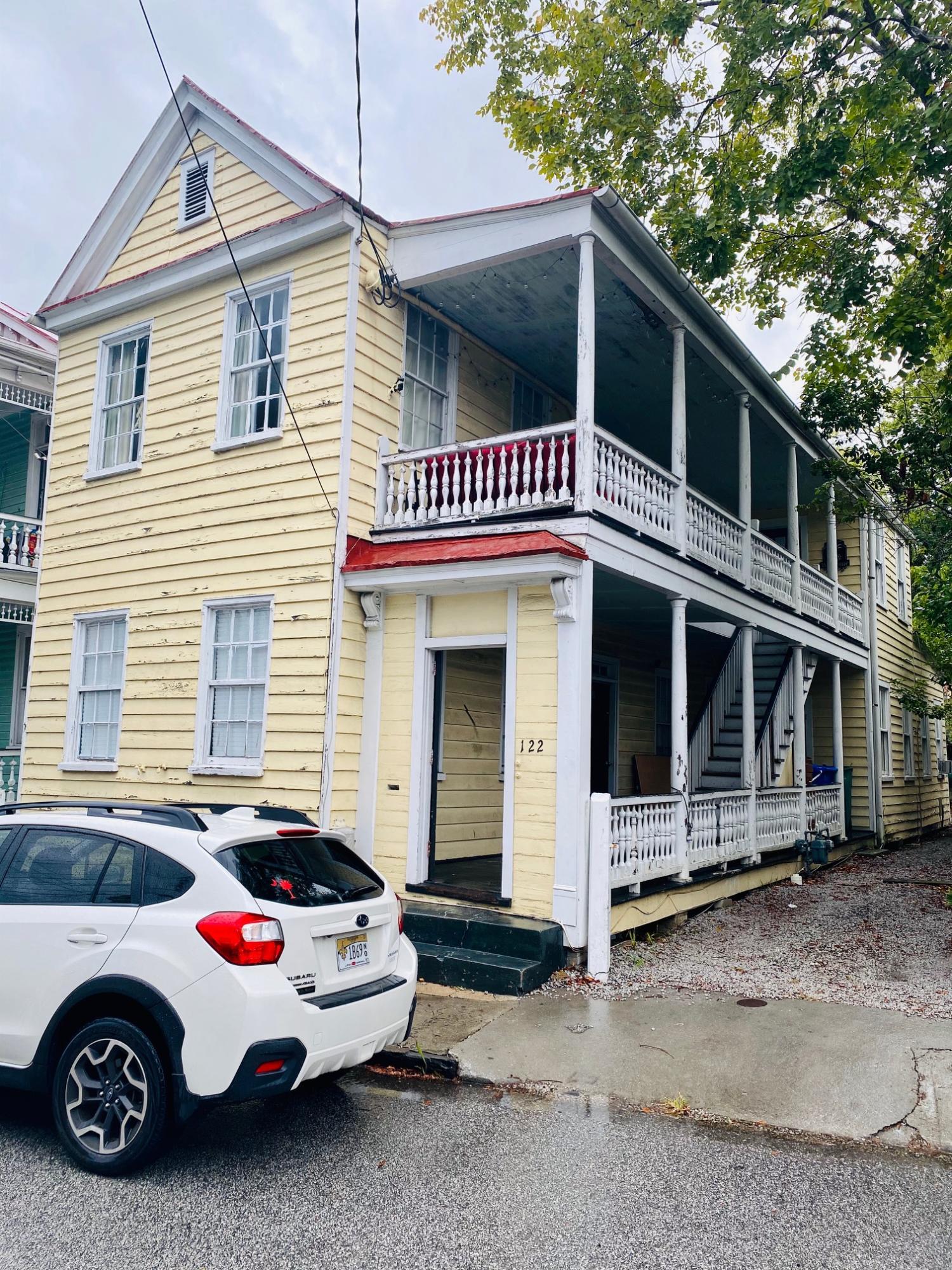 122 Saint Philip Street Charleston, SC 29403