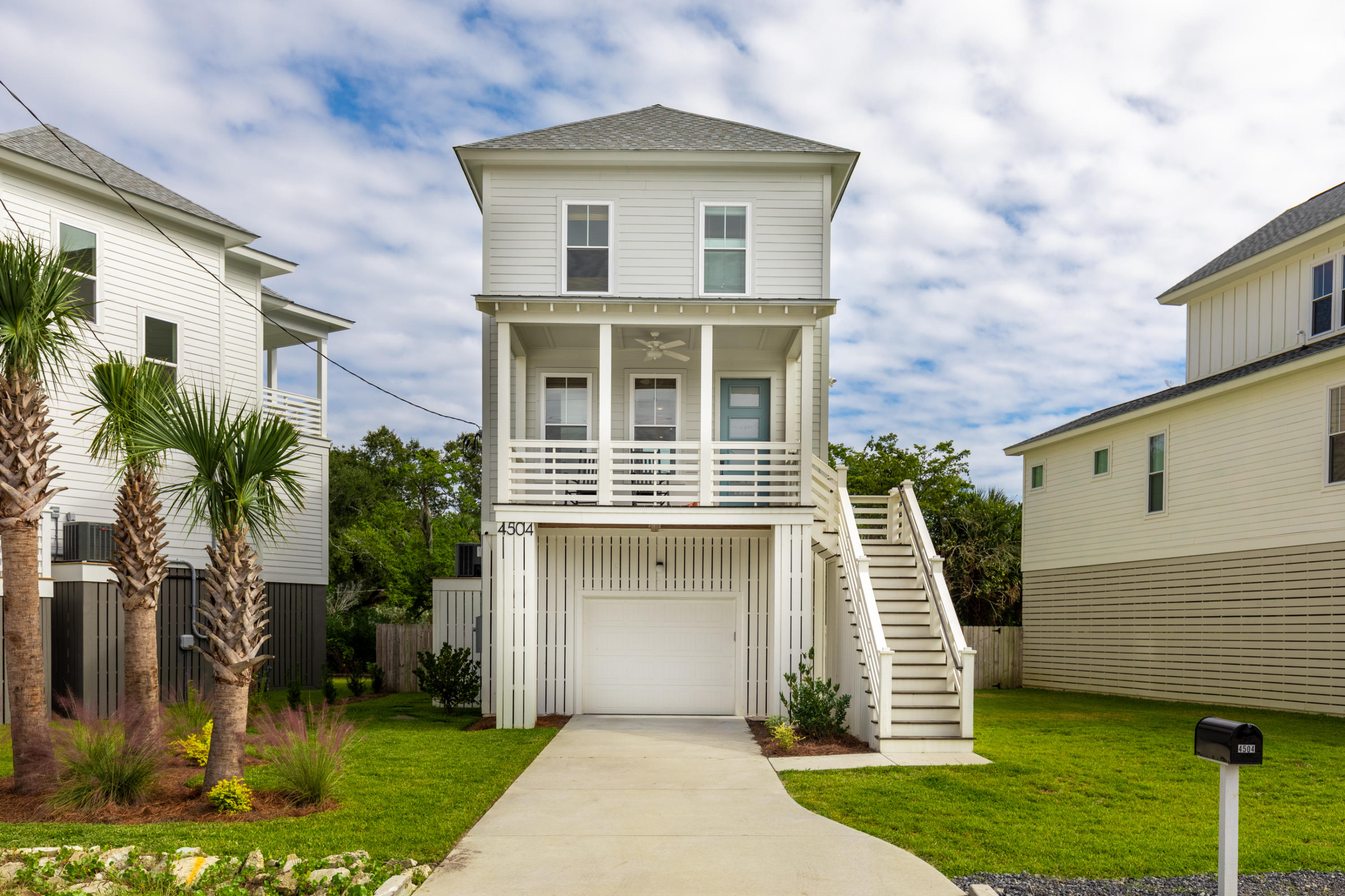 4504 Oakwood Avenue North Charleston, SC 29405