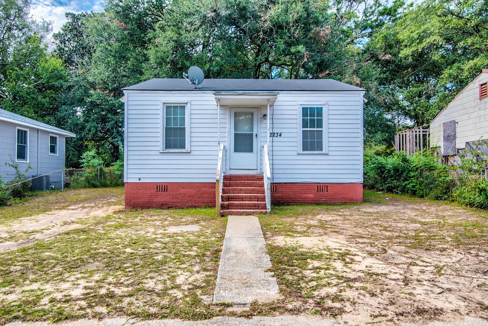 2234 Cambridge Avenue North Charleston, SC 29405