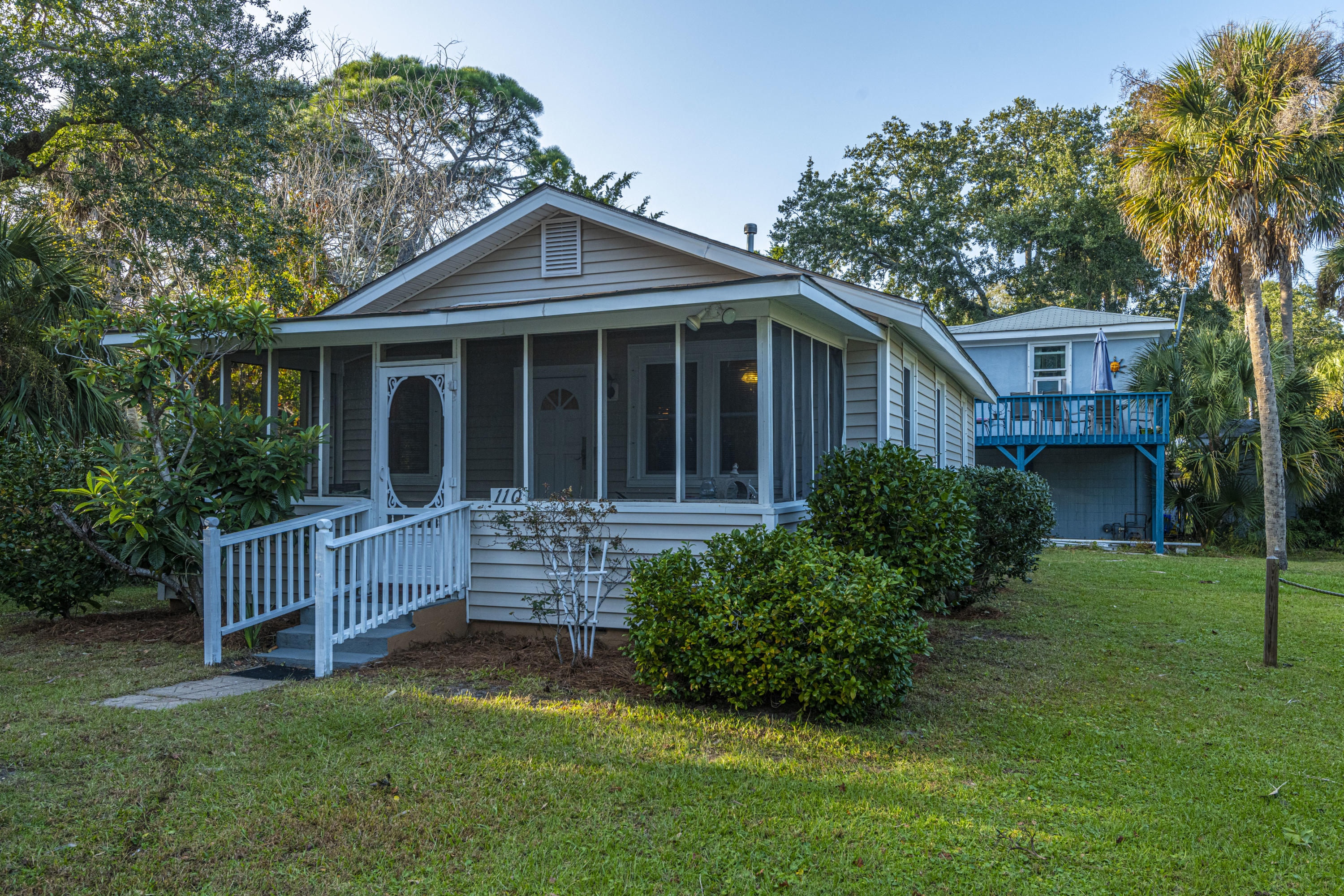 110 W Huron Avenue Folly Beach, Sc 29439