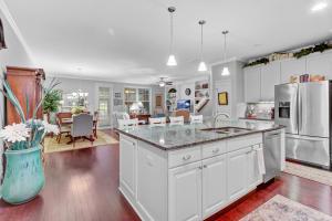 Open & Airy Floor Plan