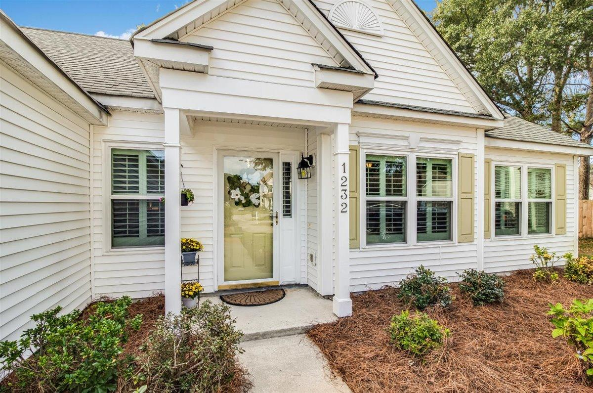 Waters Edge Homes For Sale - 1232 Bridgeport, Mount Pleasant, SC - 9