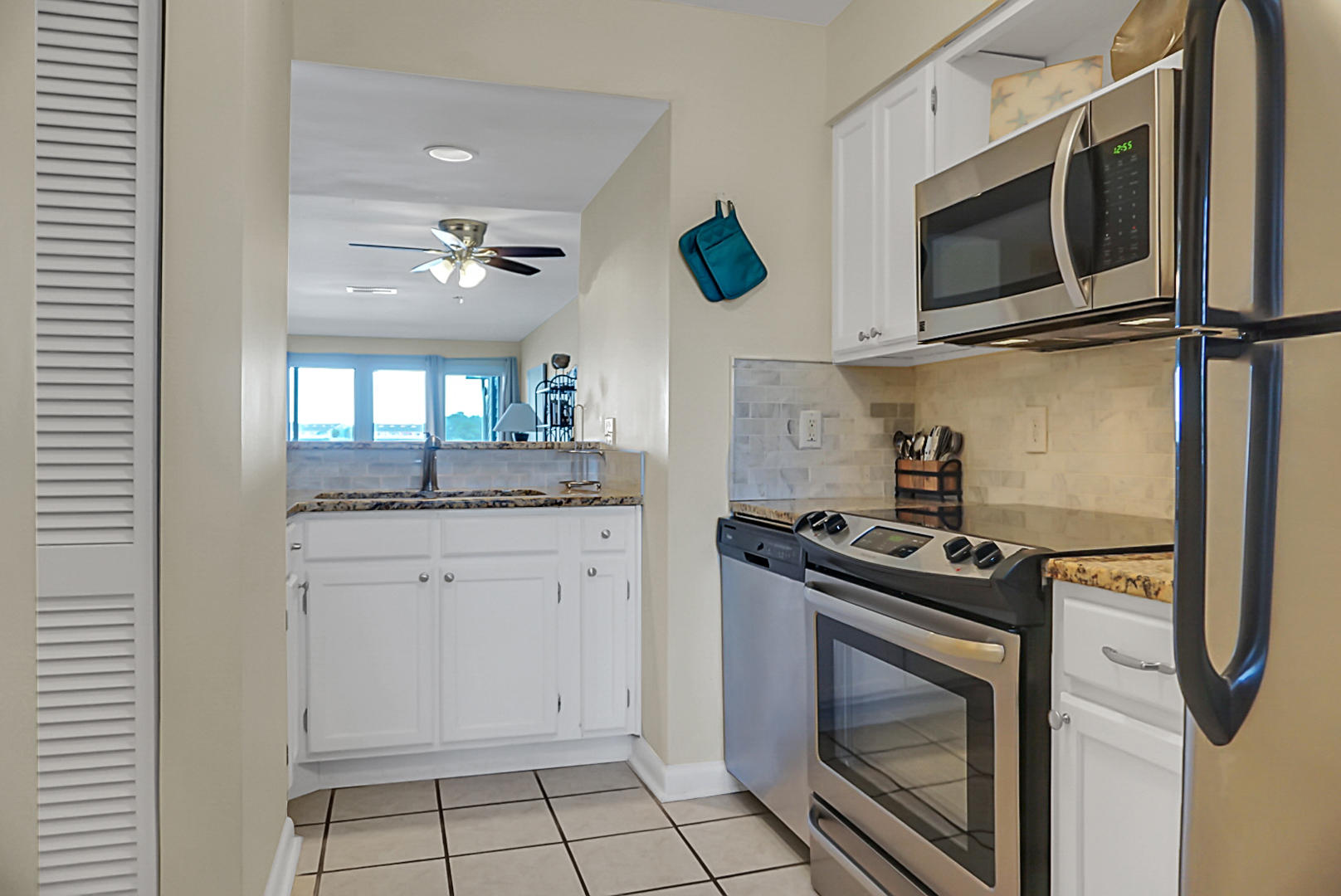 Mariners Cay Homes For Sale - 45 Mariners Cay, Folly Beach, SC - 44
