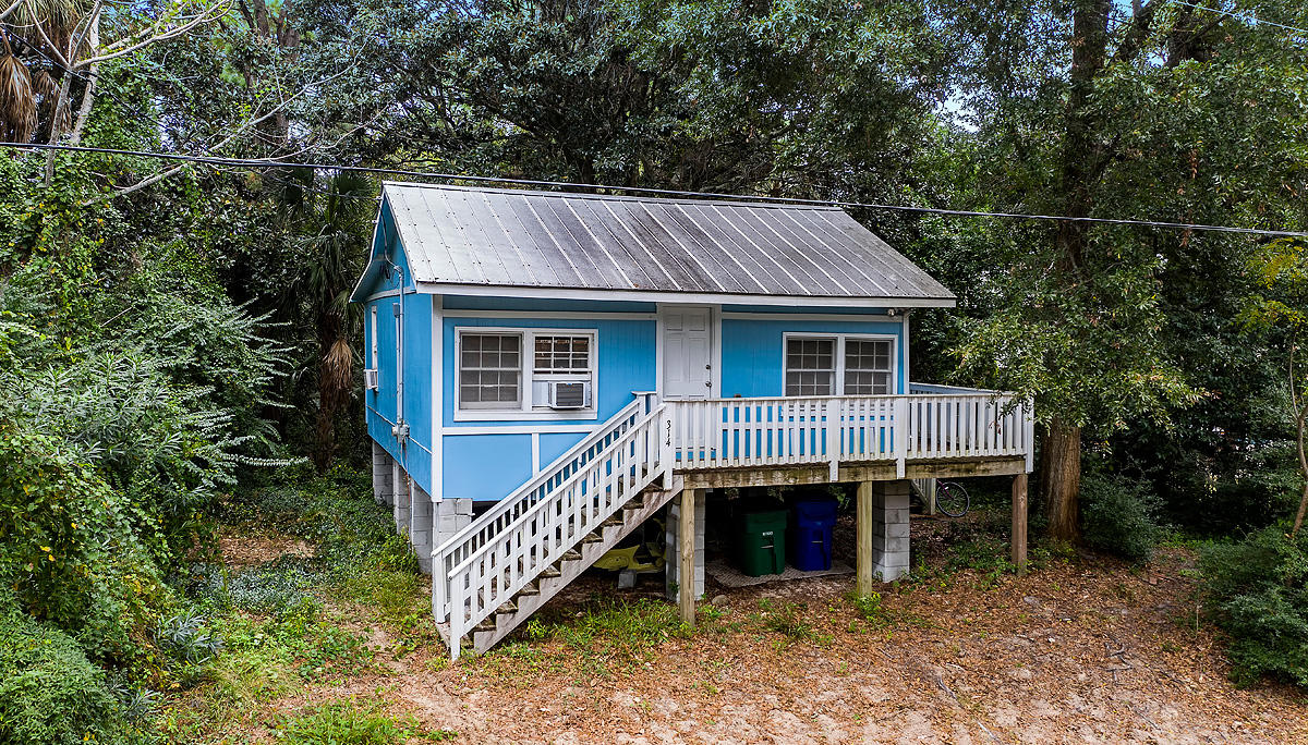 314 E Huron Avenue Folly Beach, SC 29439