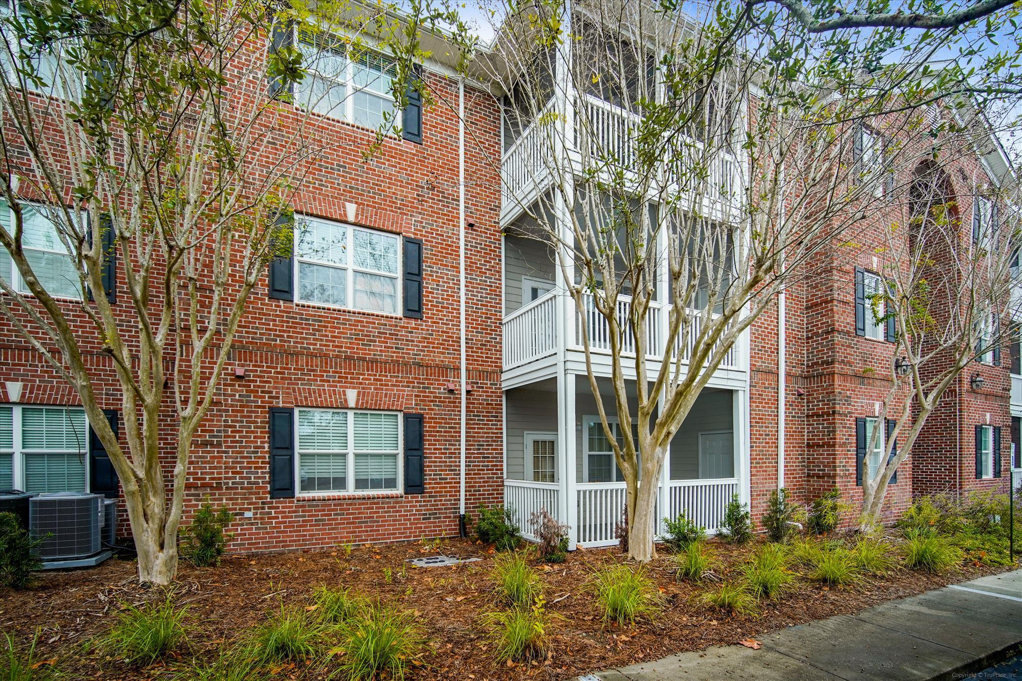 1533 Cambridge Lakes Drive UNIT 203d Mount Pleasant, SC 29464