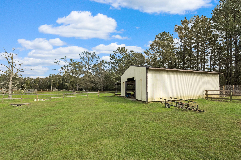347 Cummings Chapel Road Ridgeville, SC 29472