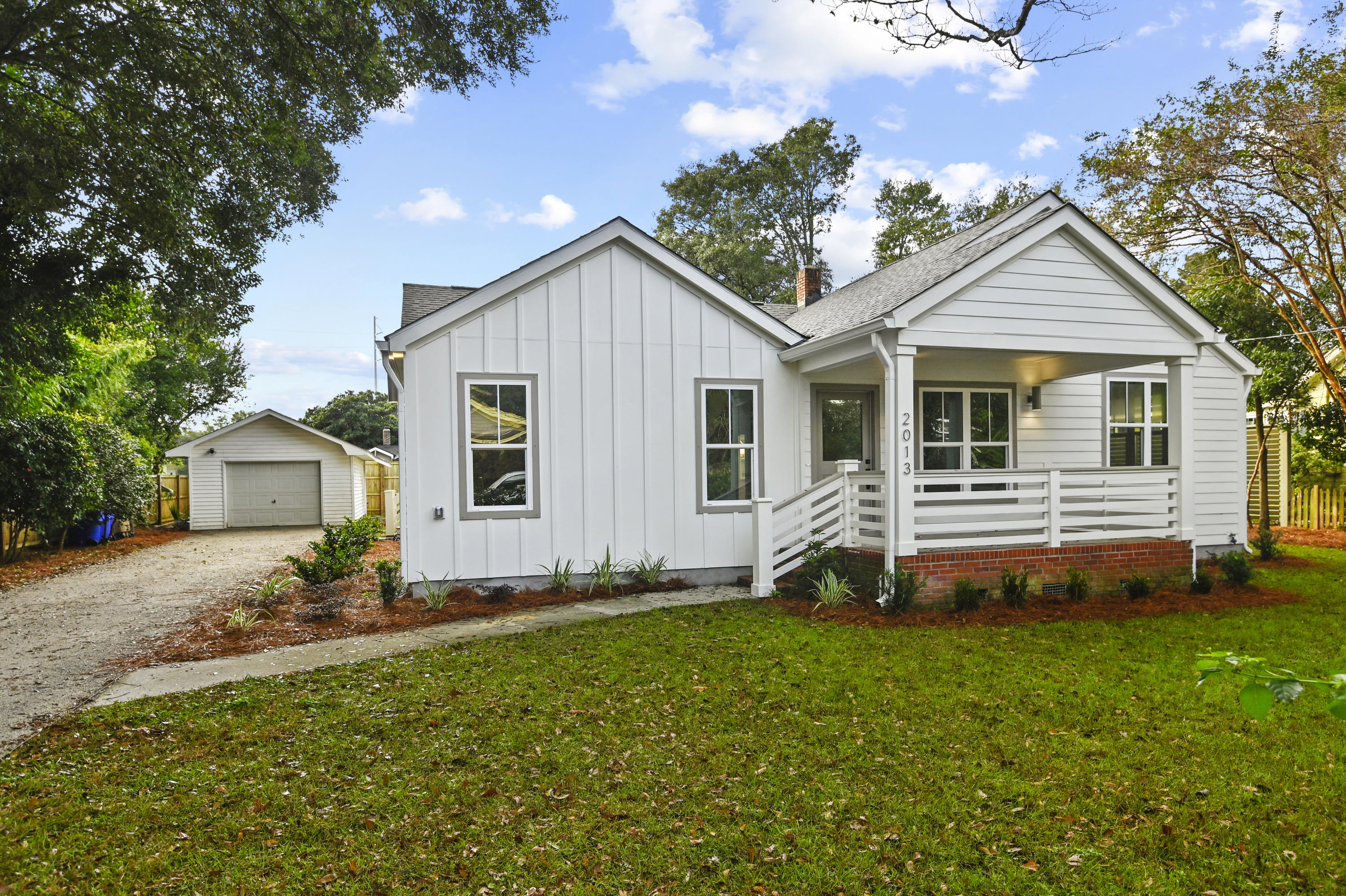 2013 Frampton Avenue Charleston, SC 29412