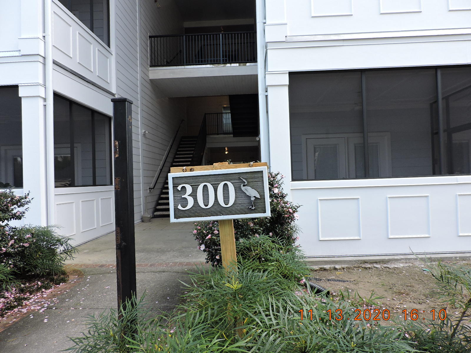 1025 Riverland Woods Place UNIT #305 Charleston, SC 29412