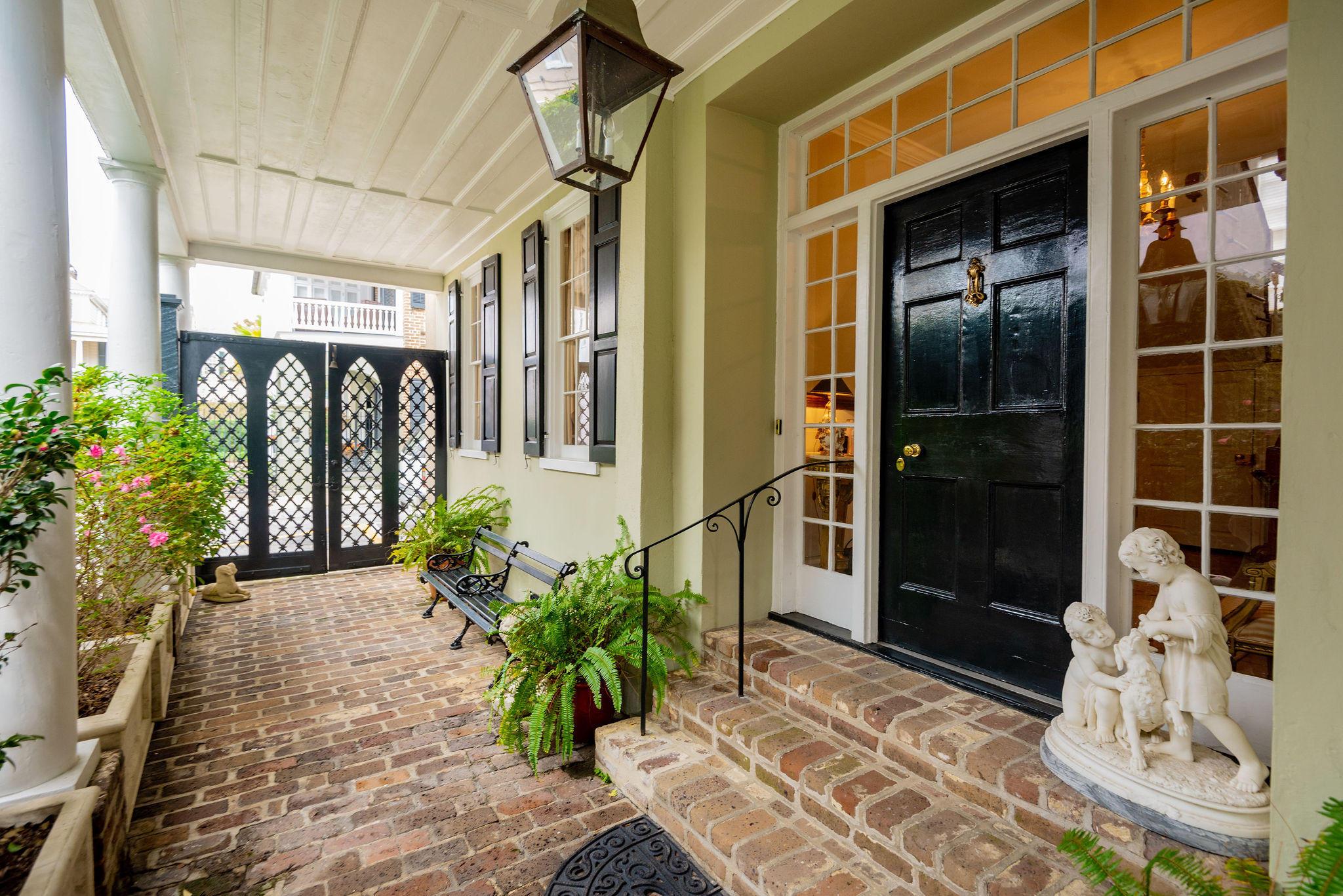 61 Tradd Street Charleston, SC 29401