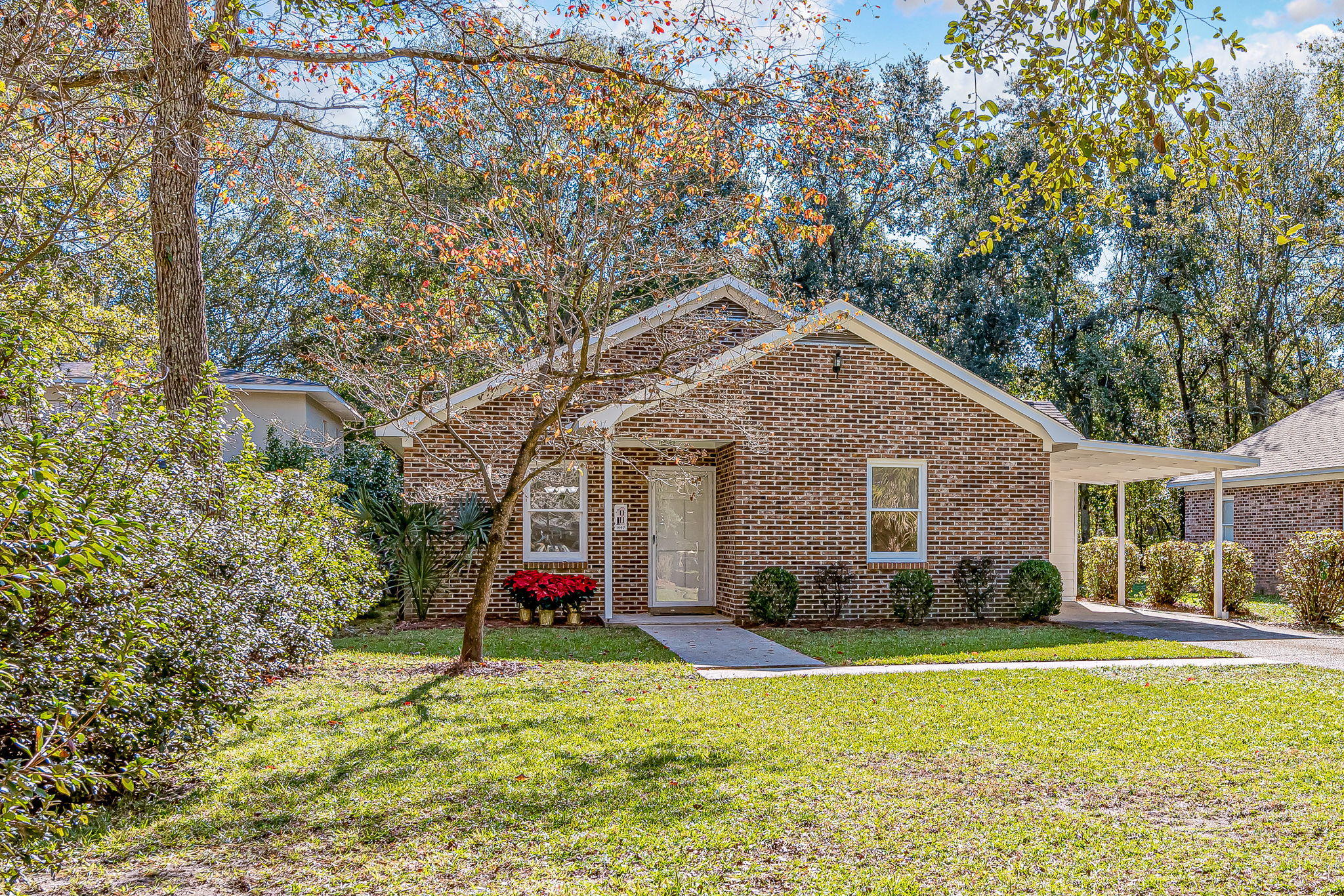 1447 Joy Avenue Charleston, SC 29407