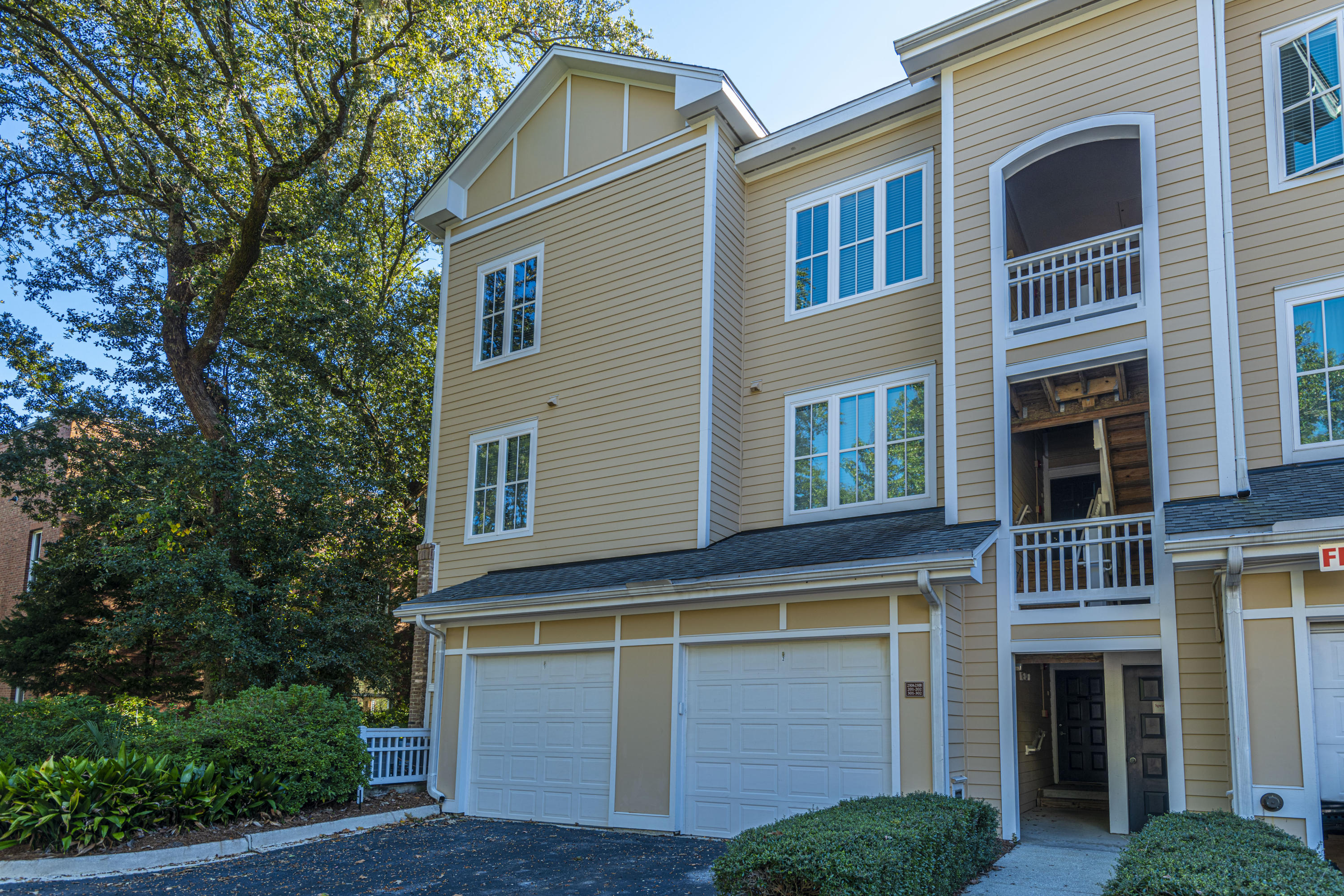 250 Seven Farms Drive UNIT #201 Charleston, SC 29492