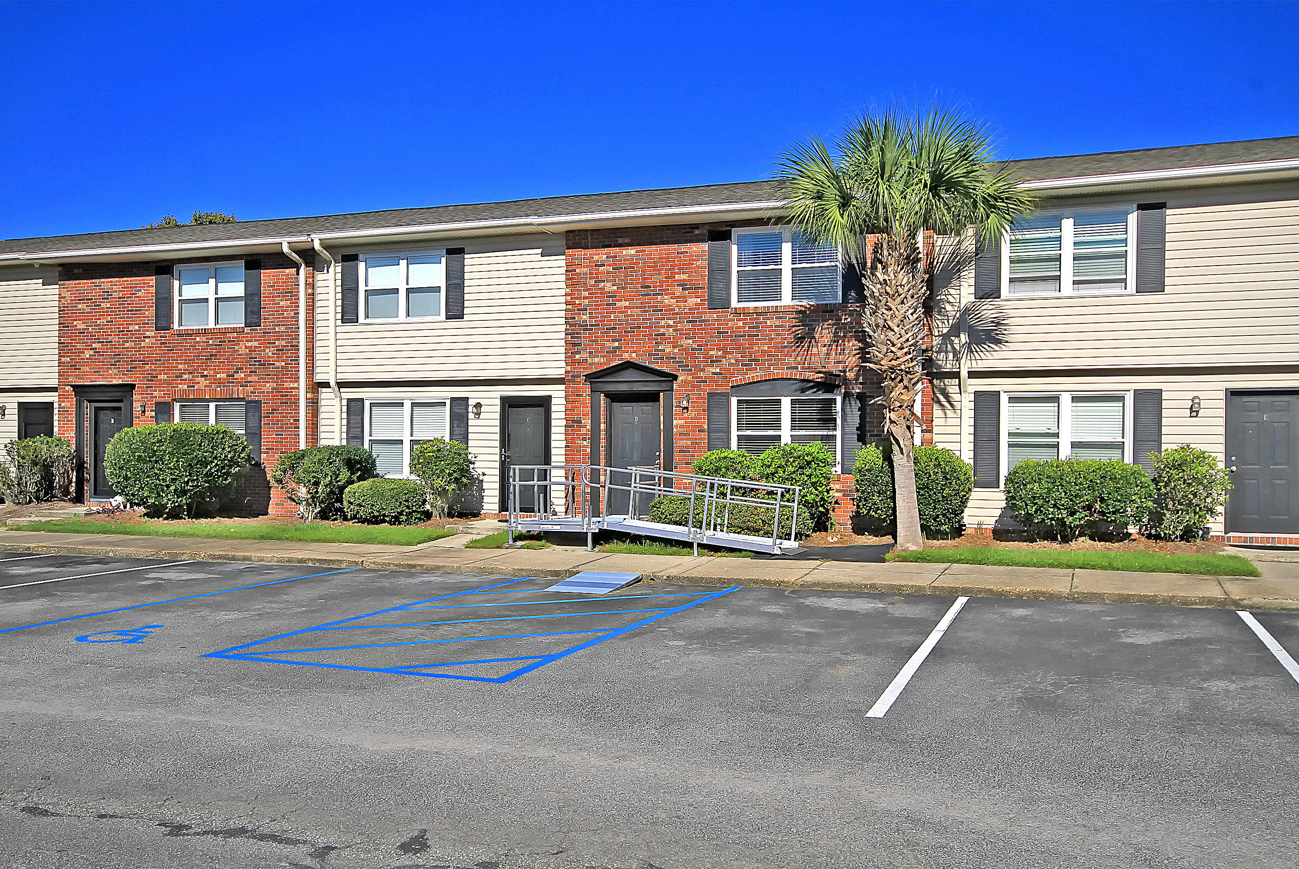 415 Parkdale Drive UNIT 6-D Charleston, SC 29414