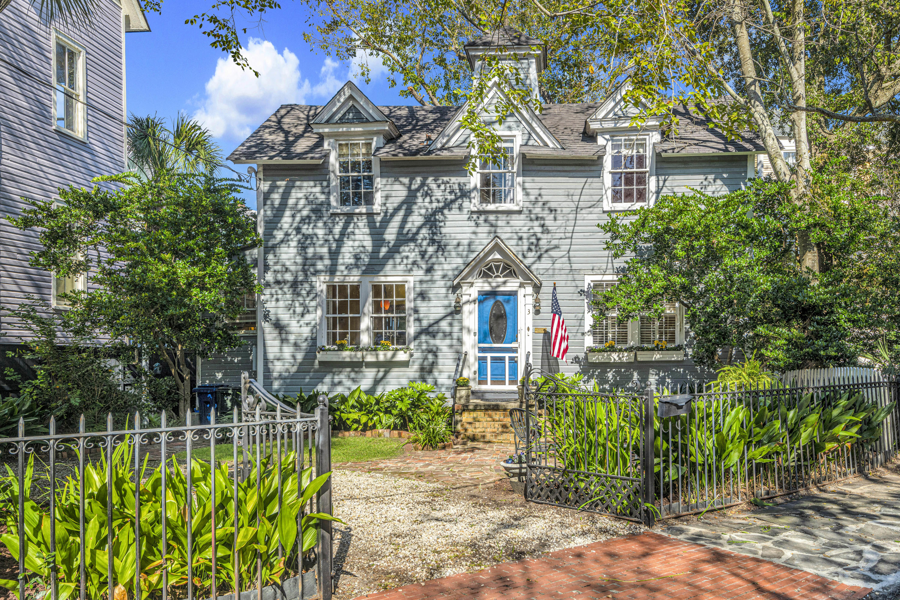 3 Savage Street Charleston, SC 29401