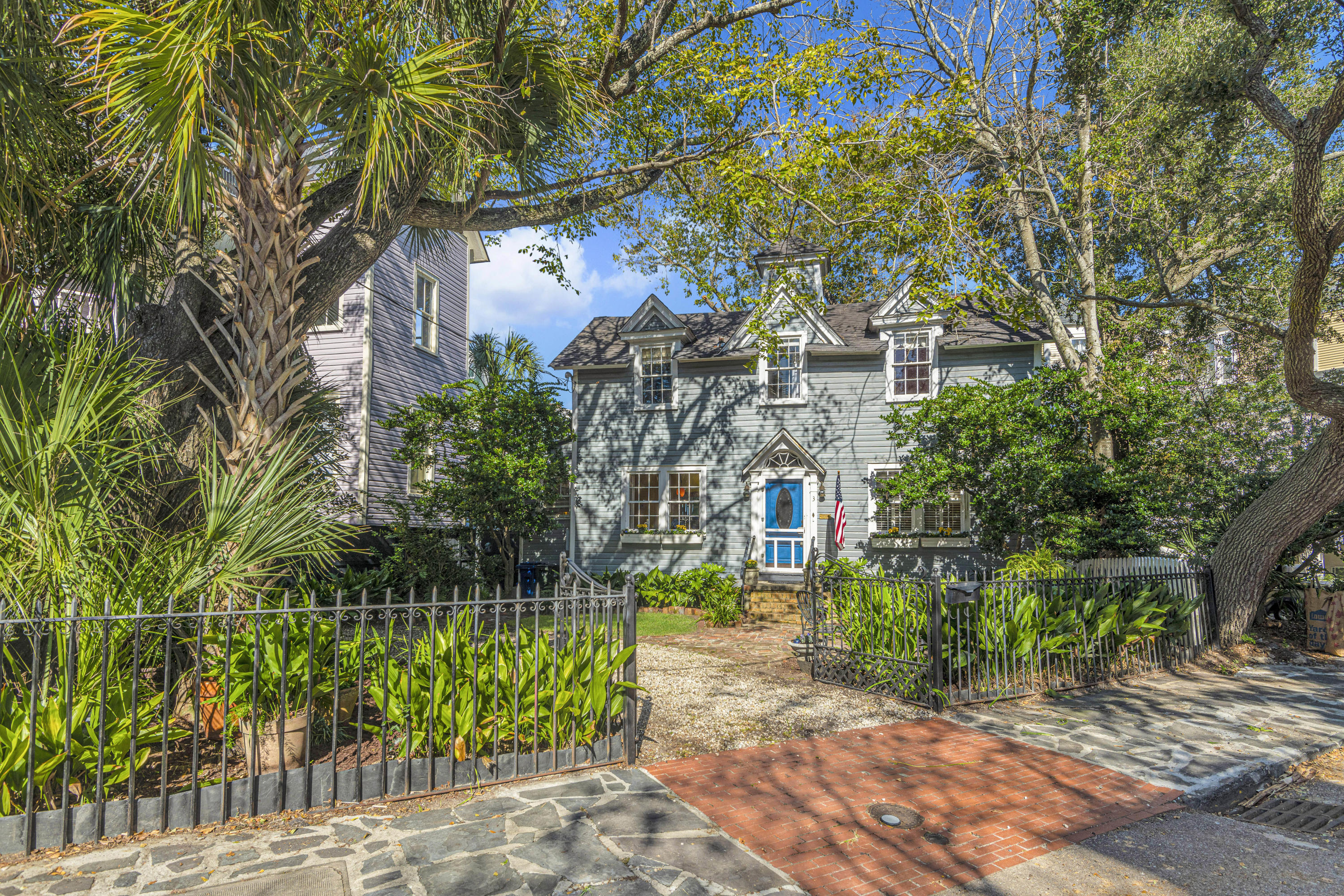 South of Broad Homes For Sale - 3 Savage, Charleston, SC - 11
