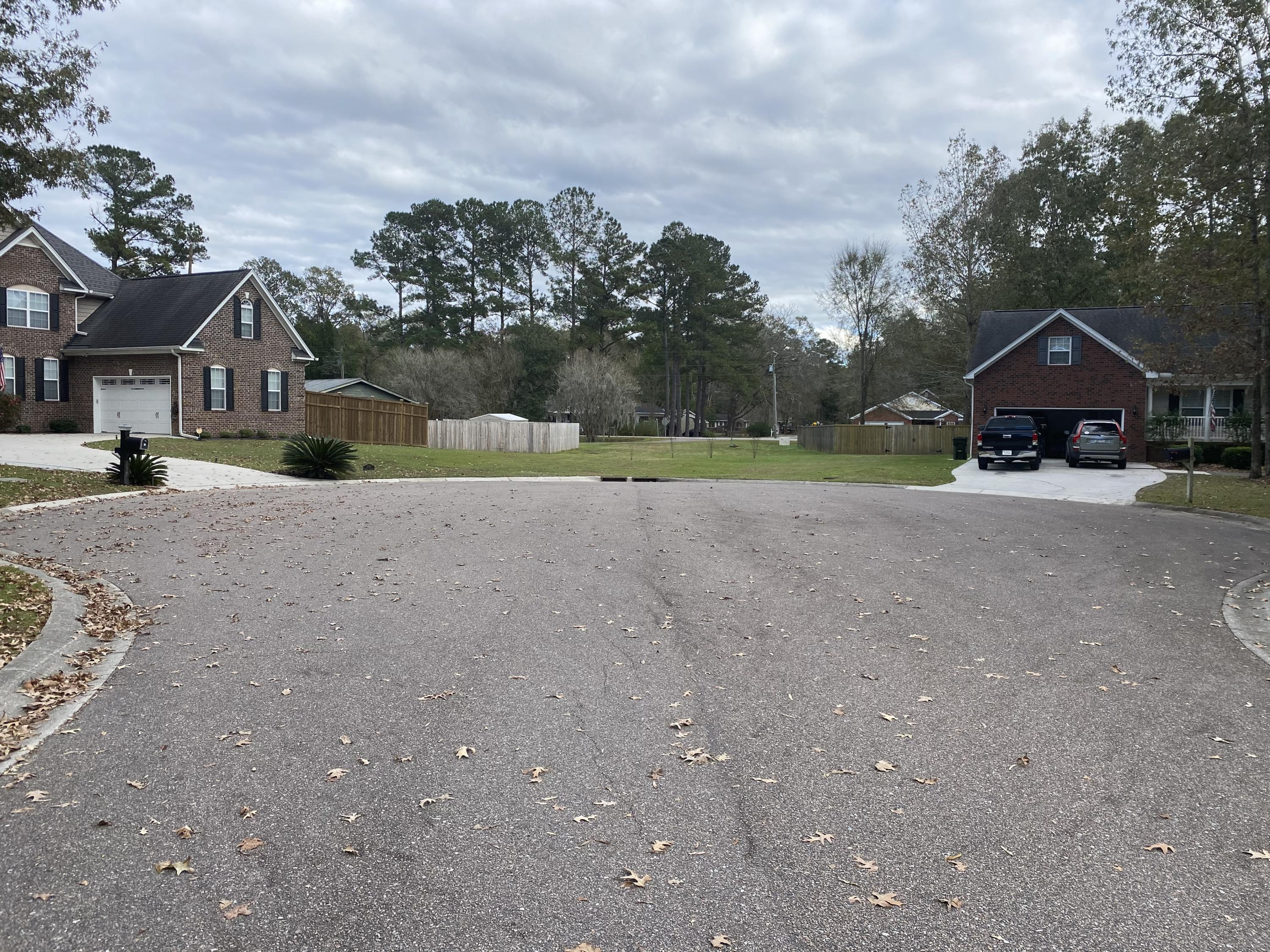 1018 Retreat Avenue Moncks Corner, SC 29461