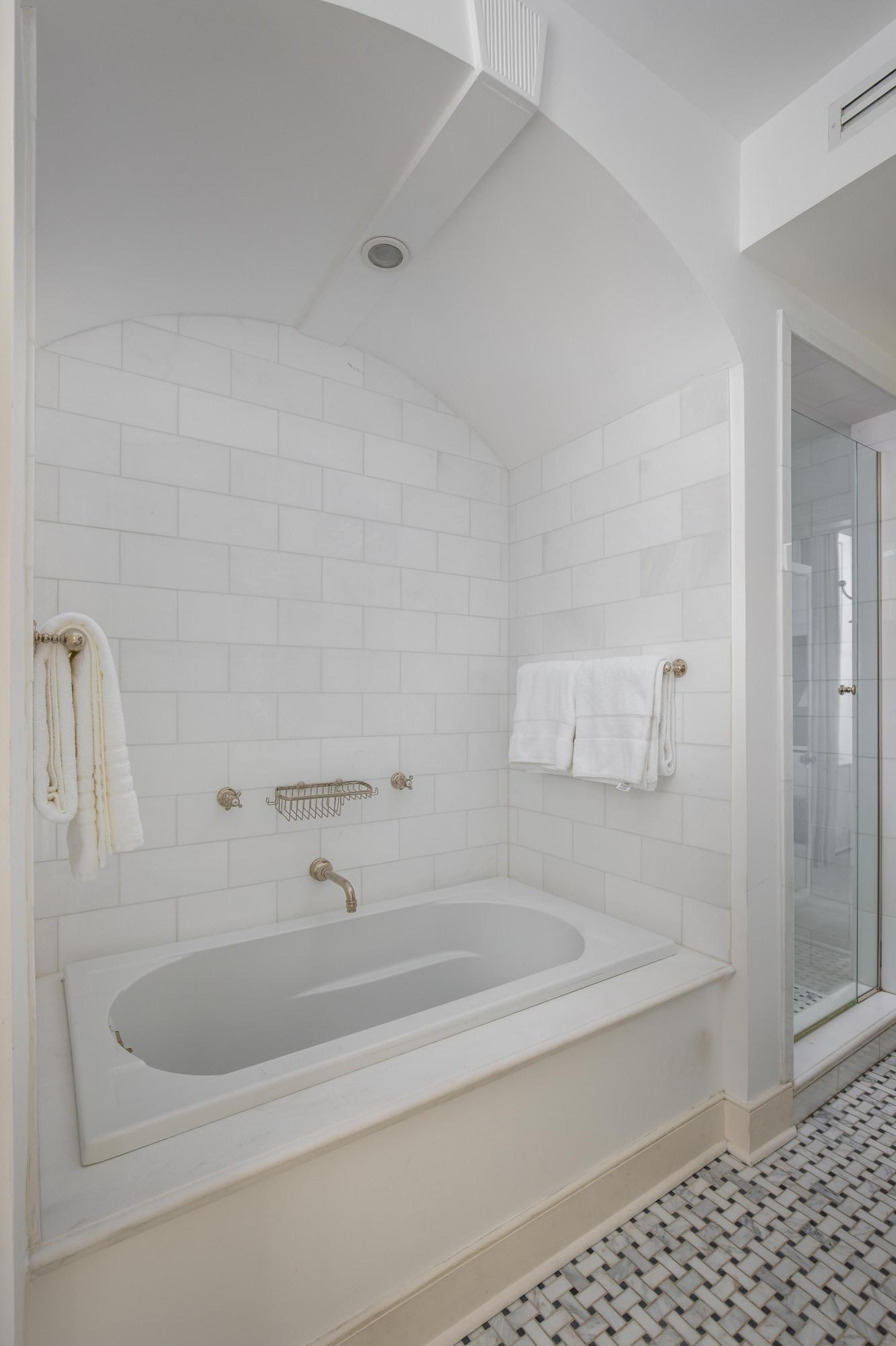 South of Broad Homes For Sale - 11 Church, Charleston, SC - 17