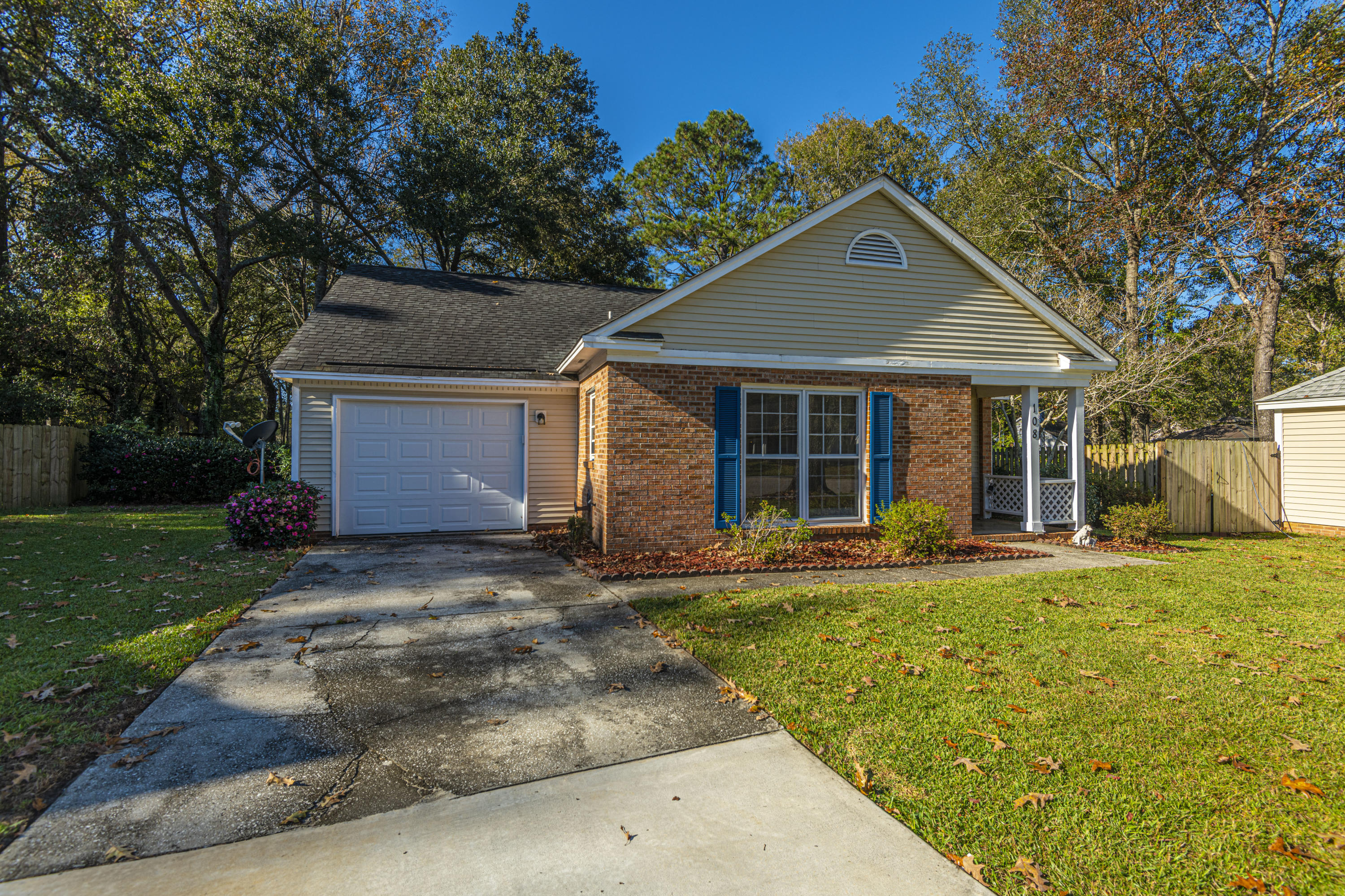 108 Kings Court Goose Creek, SC 29445