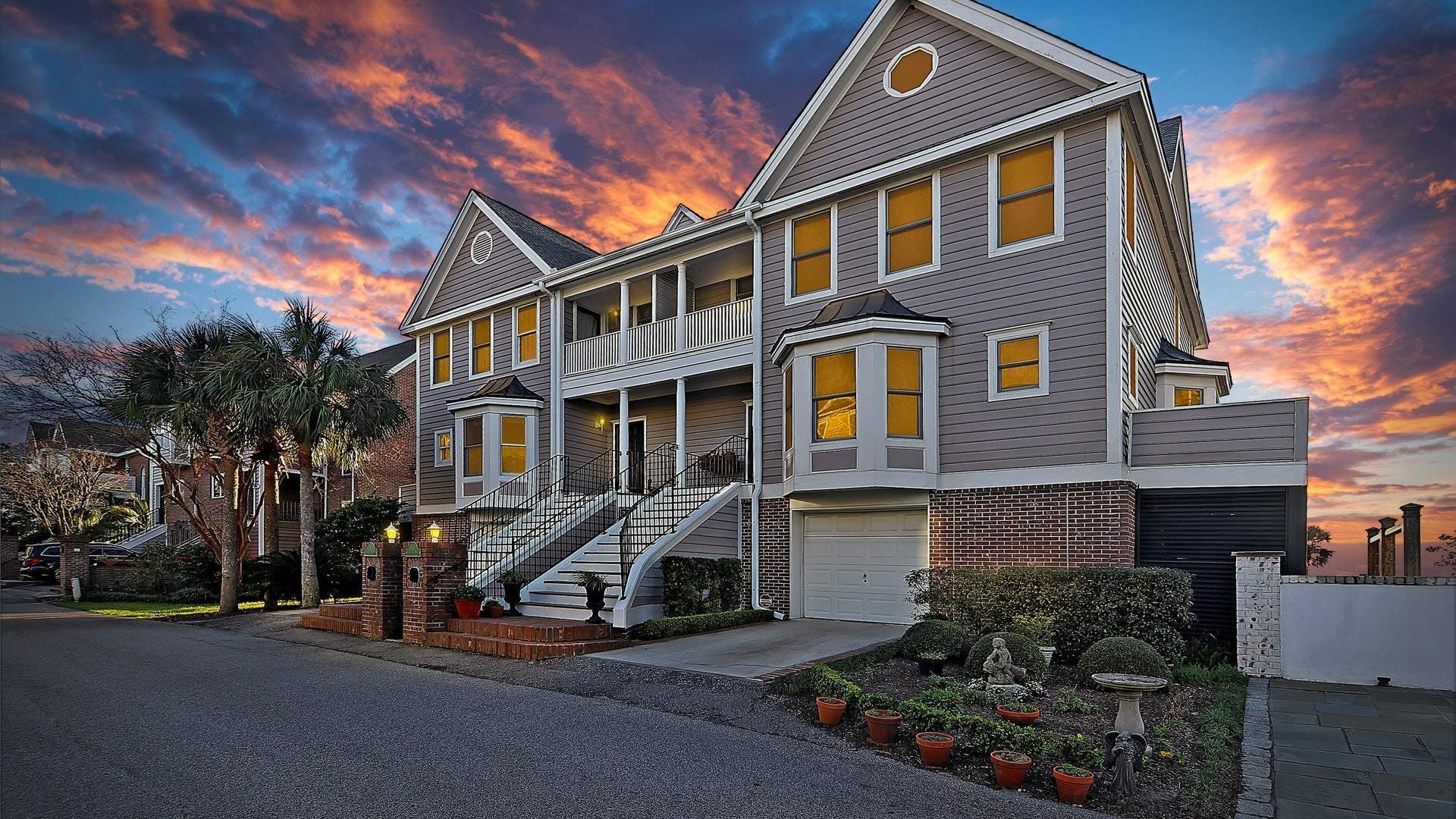 19 Harleston Place Charleston, SC 29401