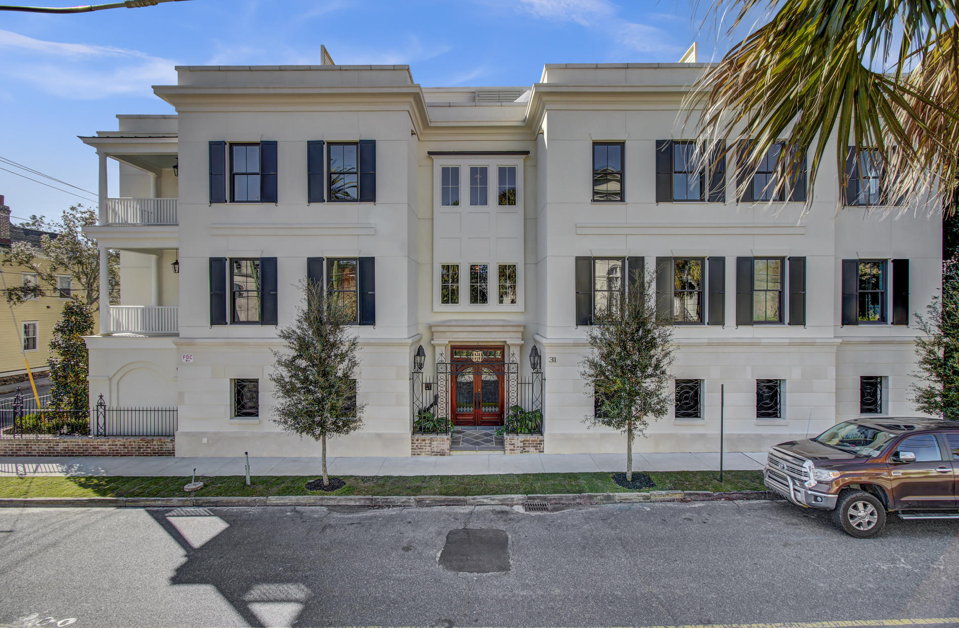 31 Smith Street UNIT #201 Charleston, SC 29401