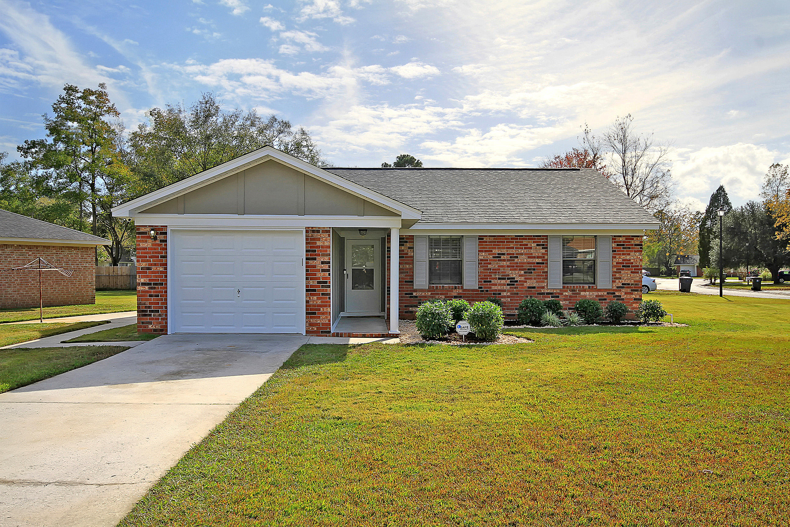 405 Village Green Circle Summerville, SC 29486
