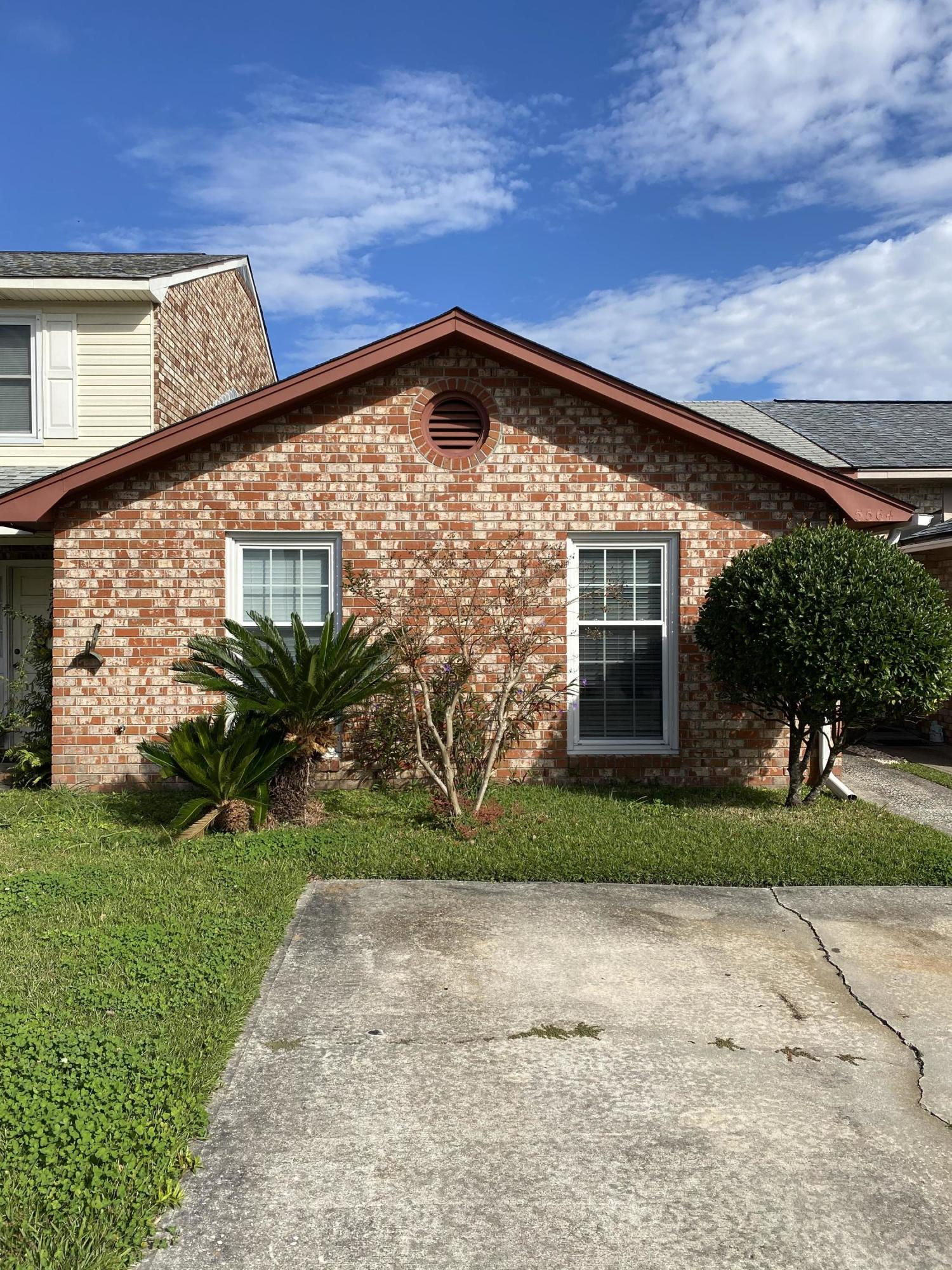 5564 W Shirley Drive North Charleston, SC 29418