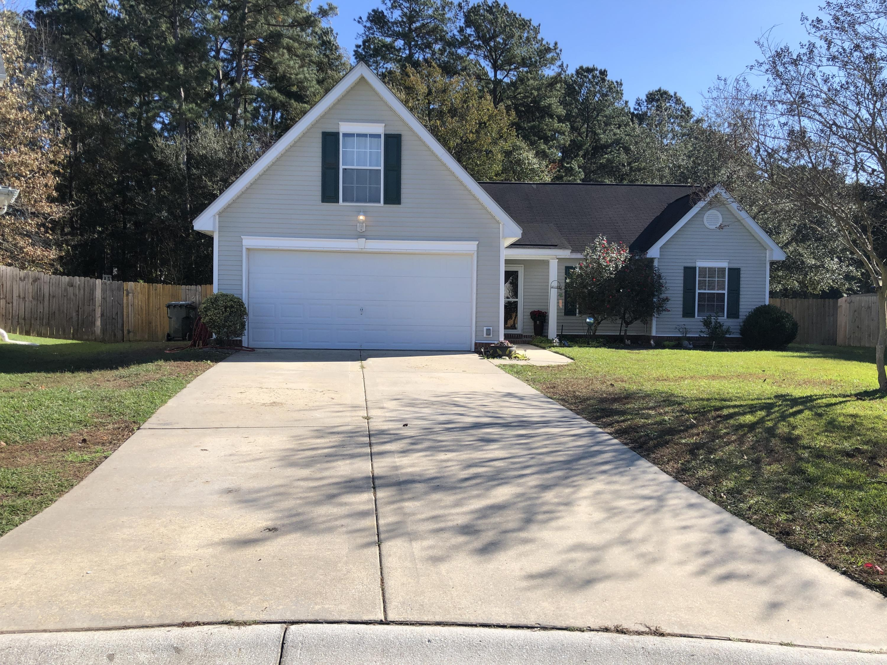 2210 Sandtuck Circle Summerville, SC 29483