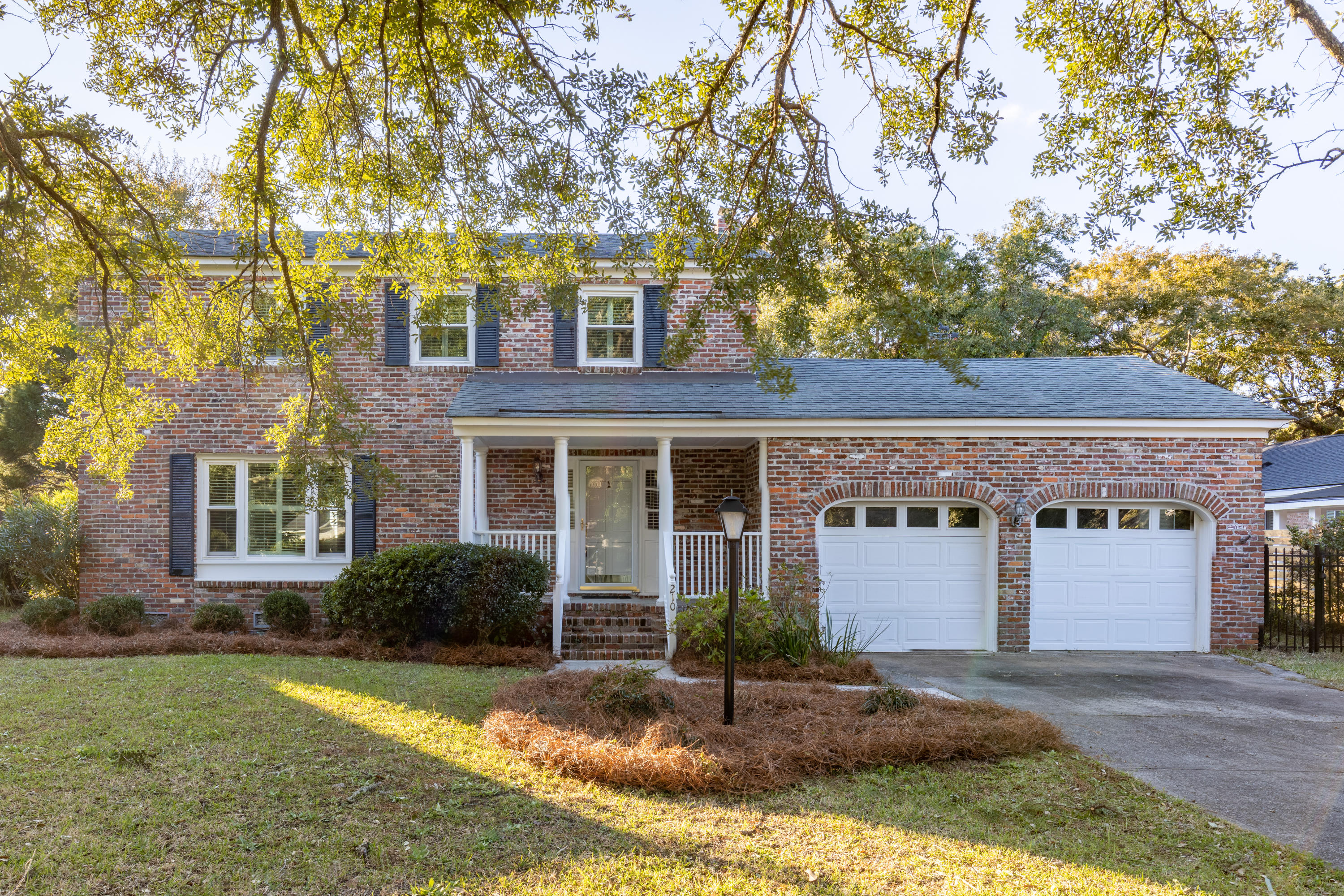 210 Cynthia Lane Charleston, SC 29407