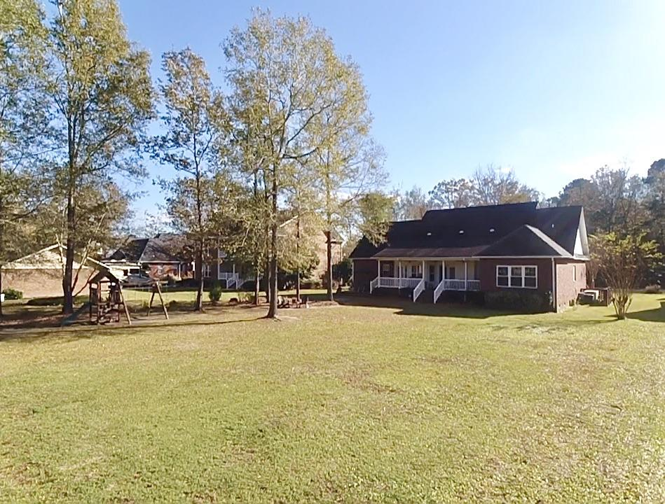 1006 Retreat Avenue Moncks Corner, SC 29461