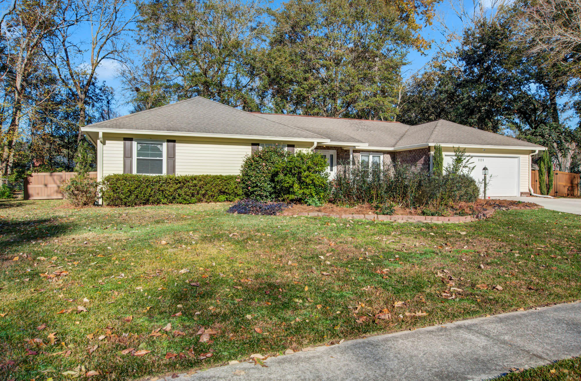 225 Savannah Round Summerville, Sc 29485