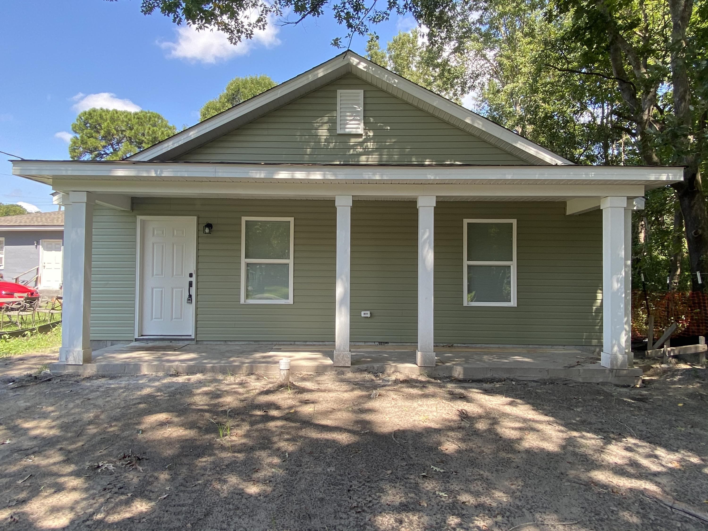 2542 Highpoint Drive North Charleston, SC 29406