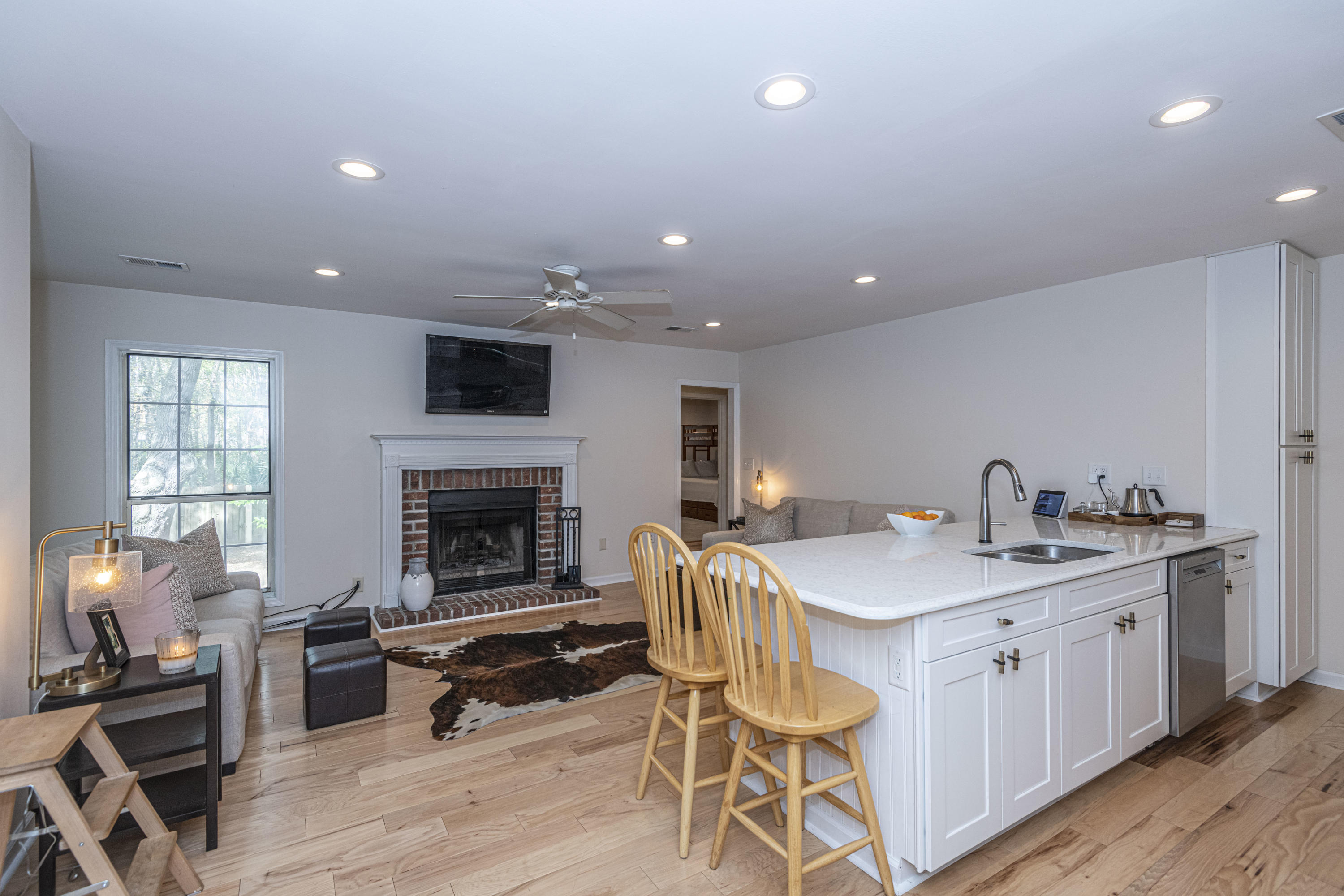Coopers Pointe Homes For Sale - 1582 Hatteras Sound, Mount Pleasant, SC - 2