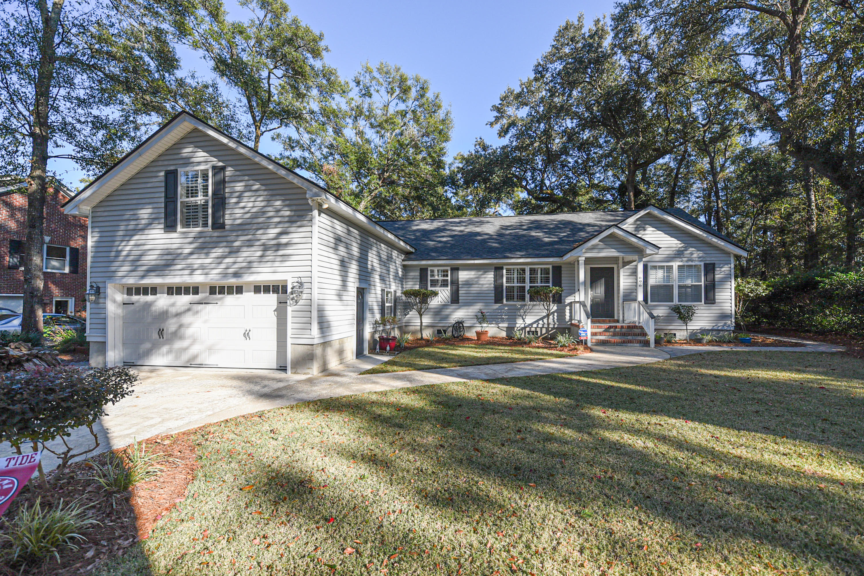 696 Sterling Drive James Island, Sc 29412