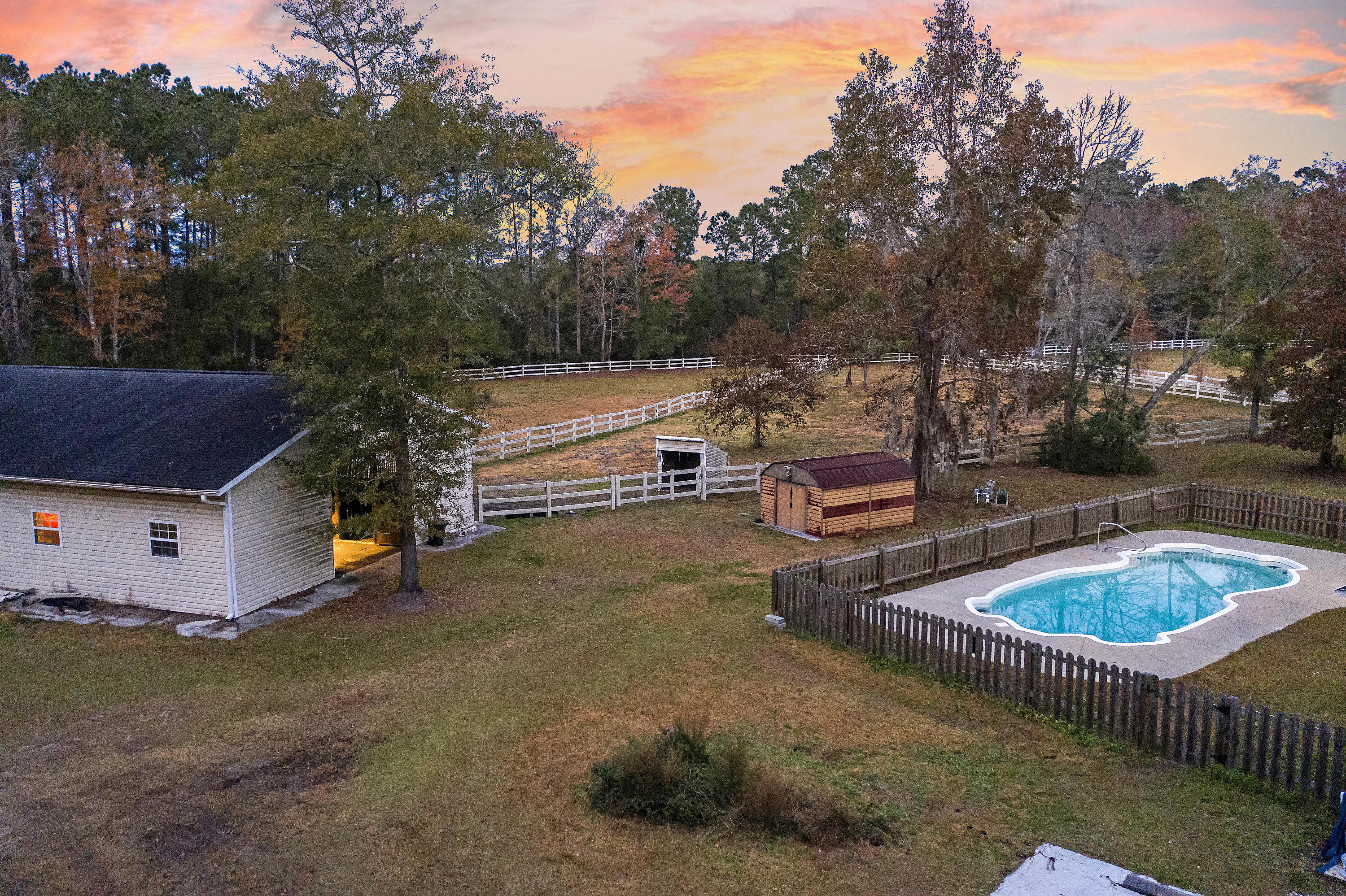 5380 Hunt Course Lane Hollywood, Sc 29449